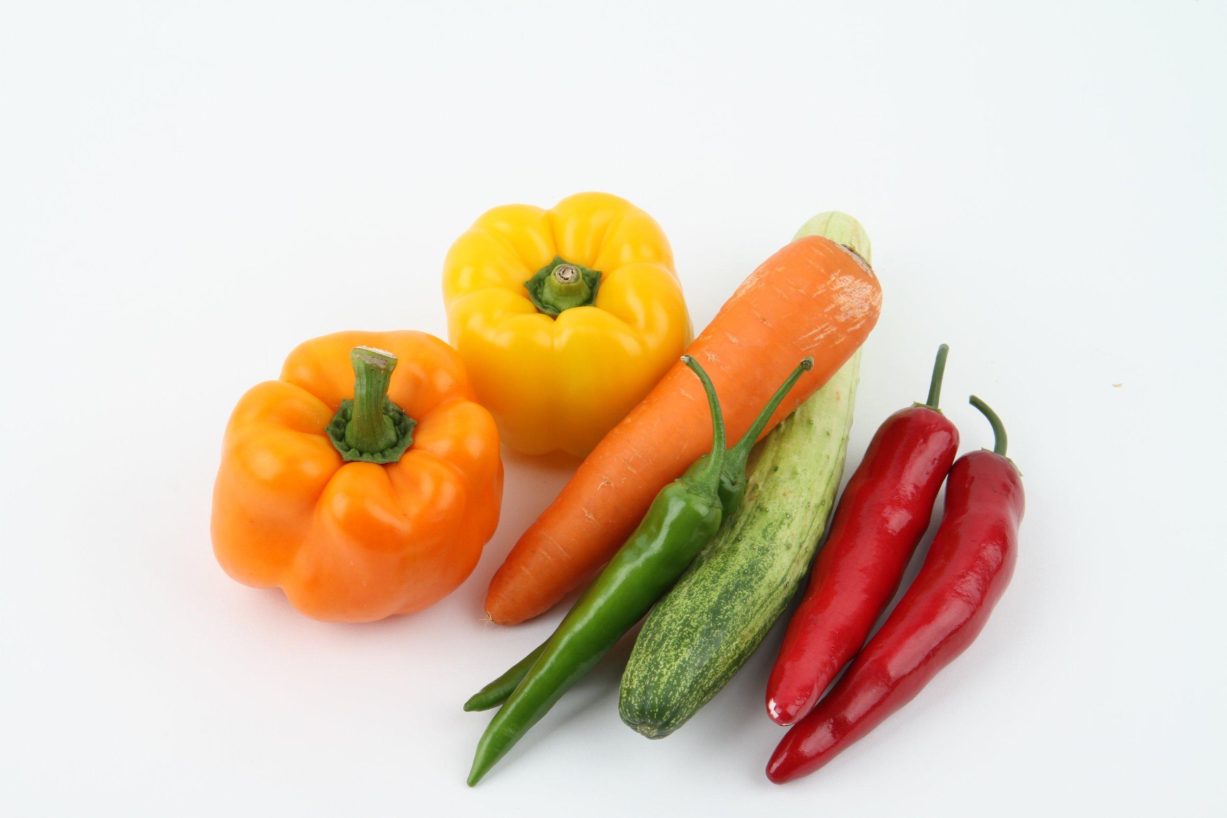 carrots-onion-cucumber-vegetables-67670.jpeg
