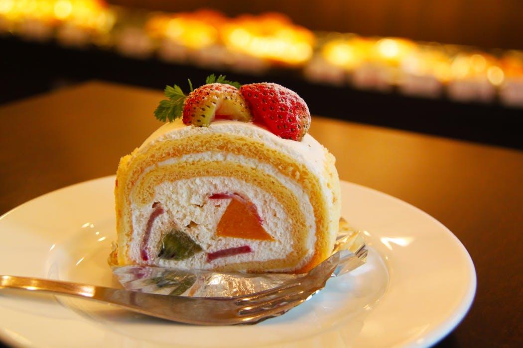 cake-cream-strawberry-dessert-53110.jpeg