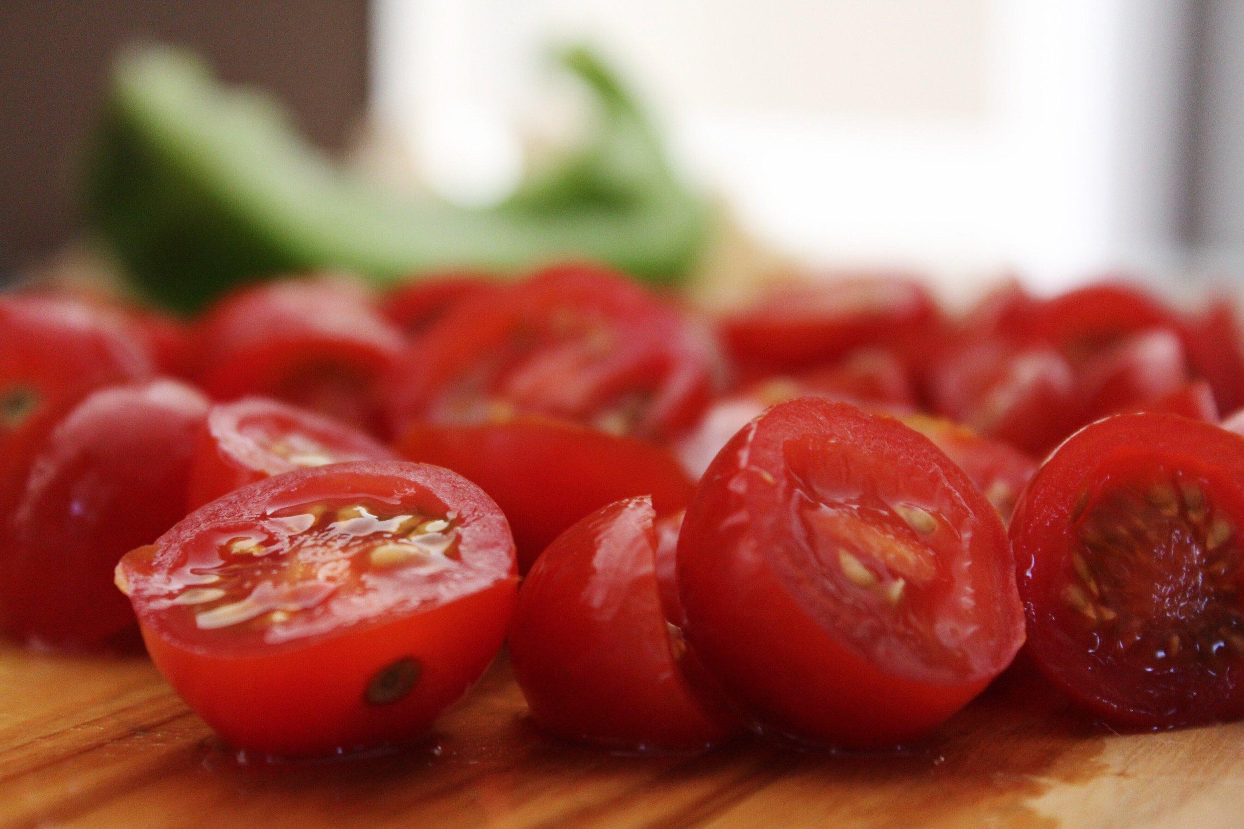blur-cherry-tomatoes-close-up-906110.jpg