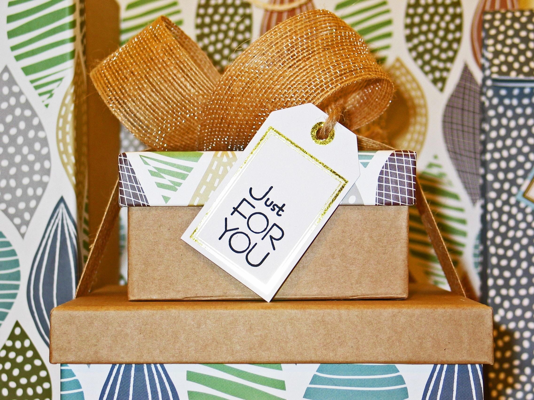 birthday-bow-box-264771.jpg