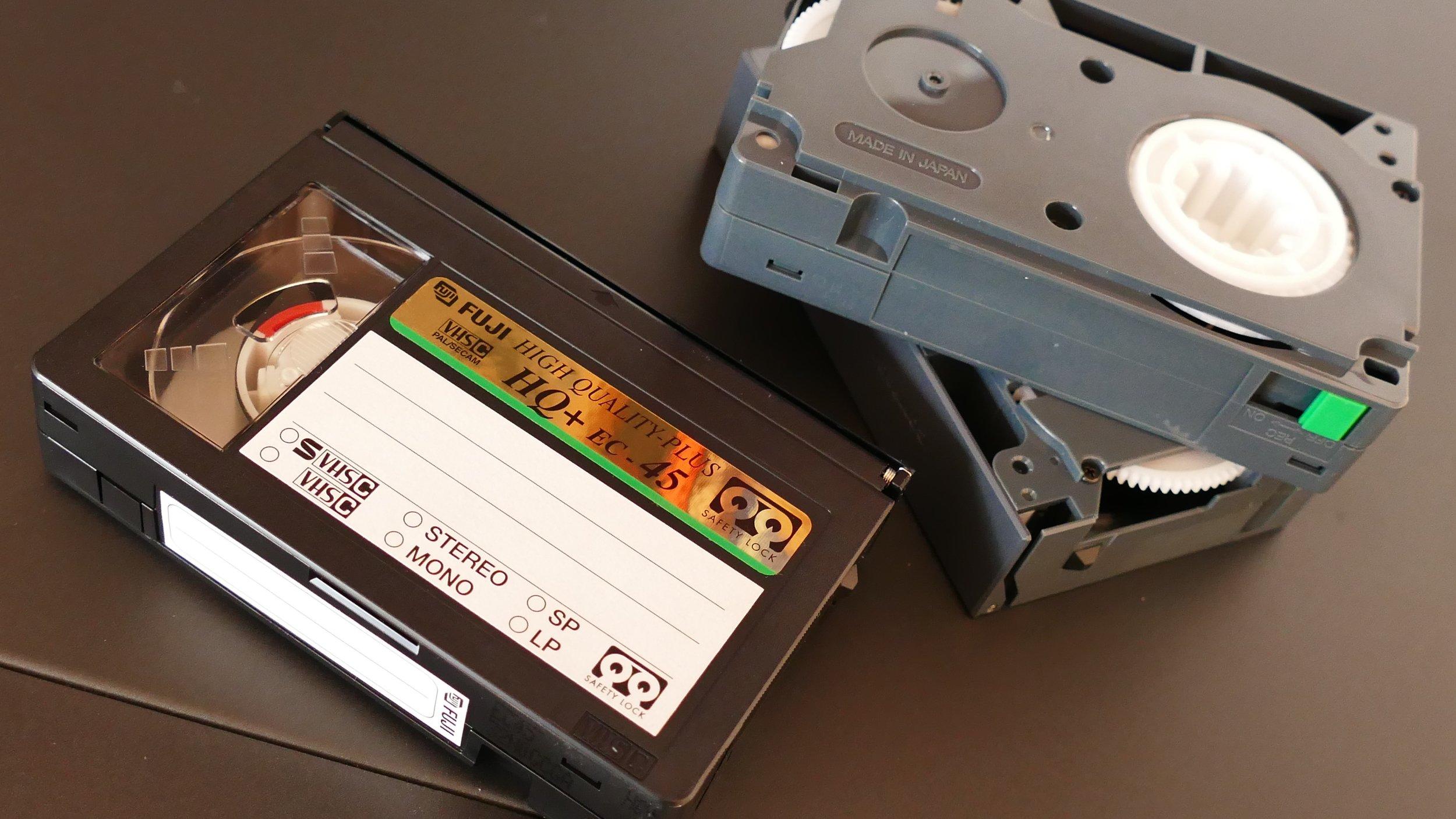cassette-electronics-equipment-157542.jpg
