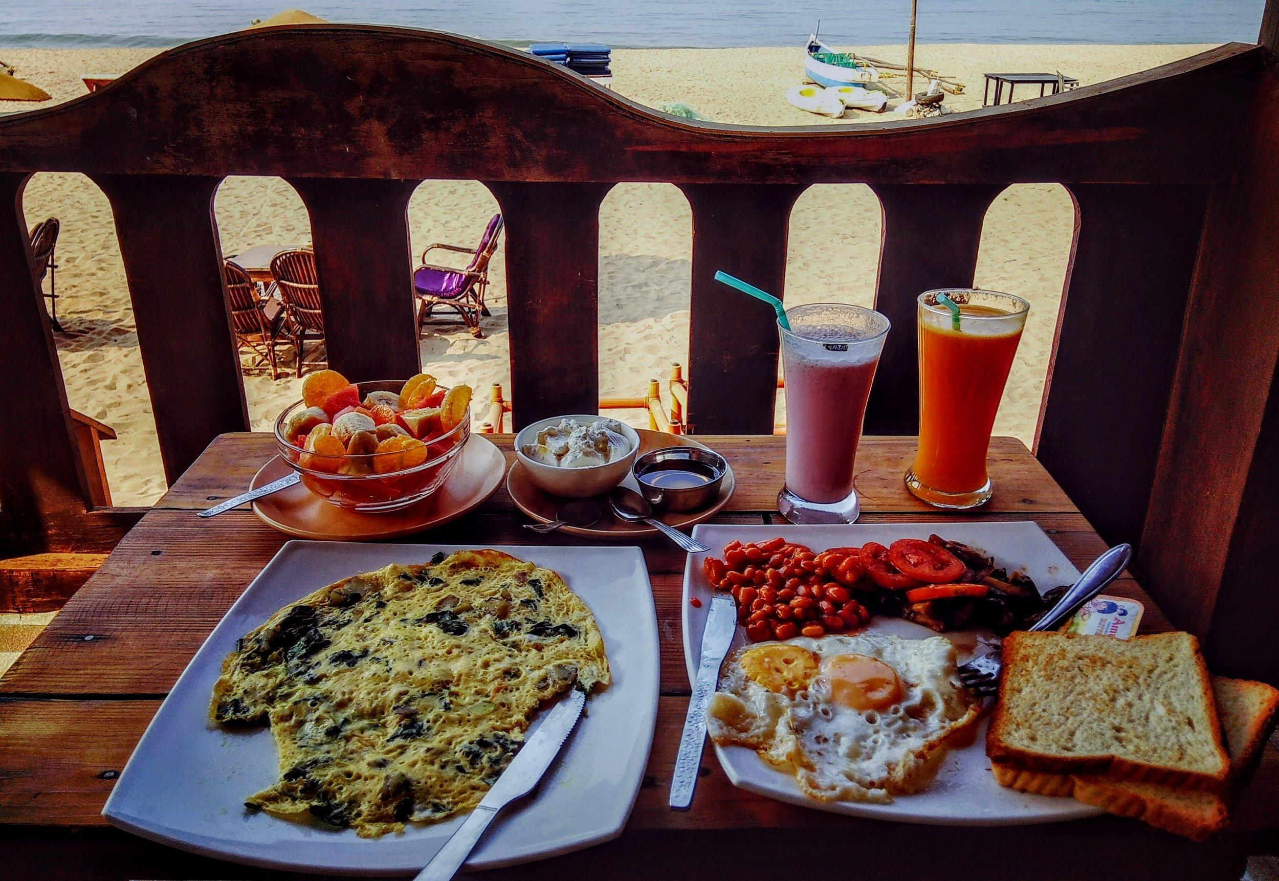 beach-bread-breakfast-904089.jpg
