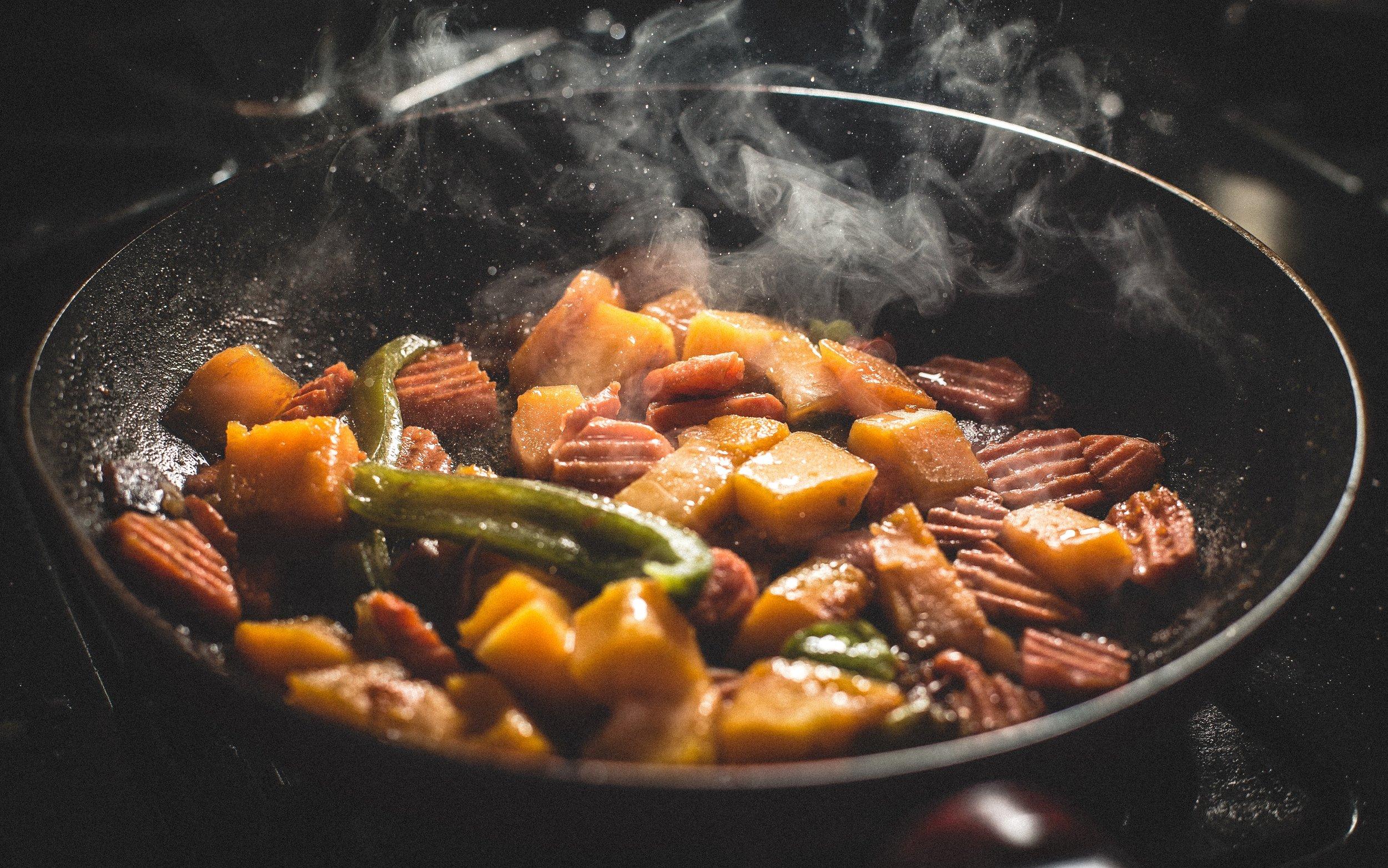 cooking-dinner-food-76093 (1).jpg