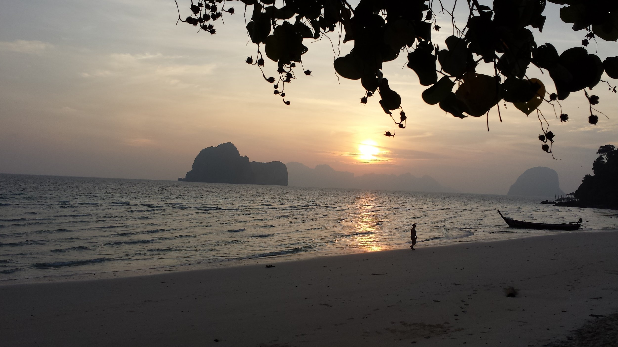 Sunrise. Thailand family vacation (2013)