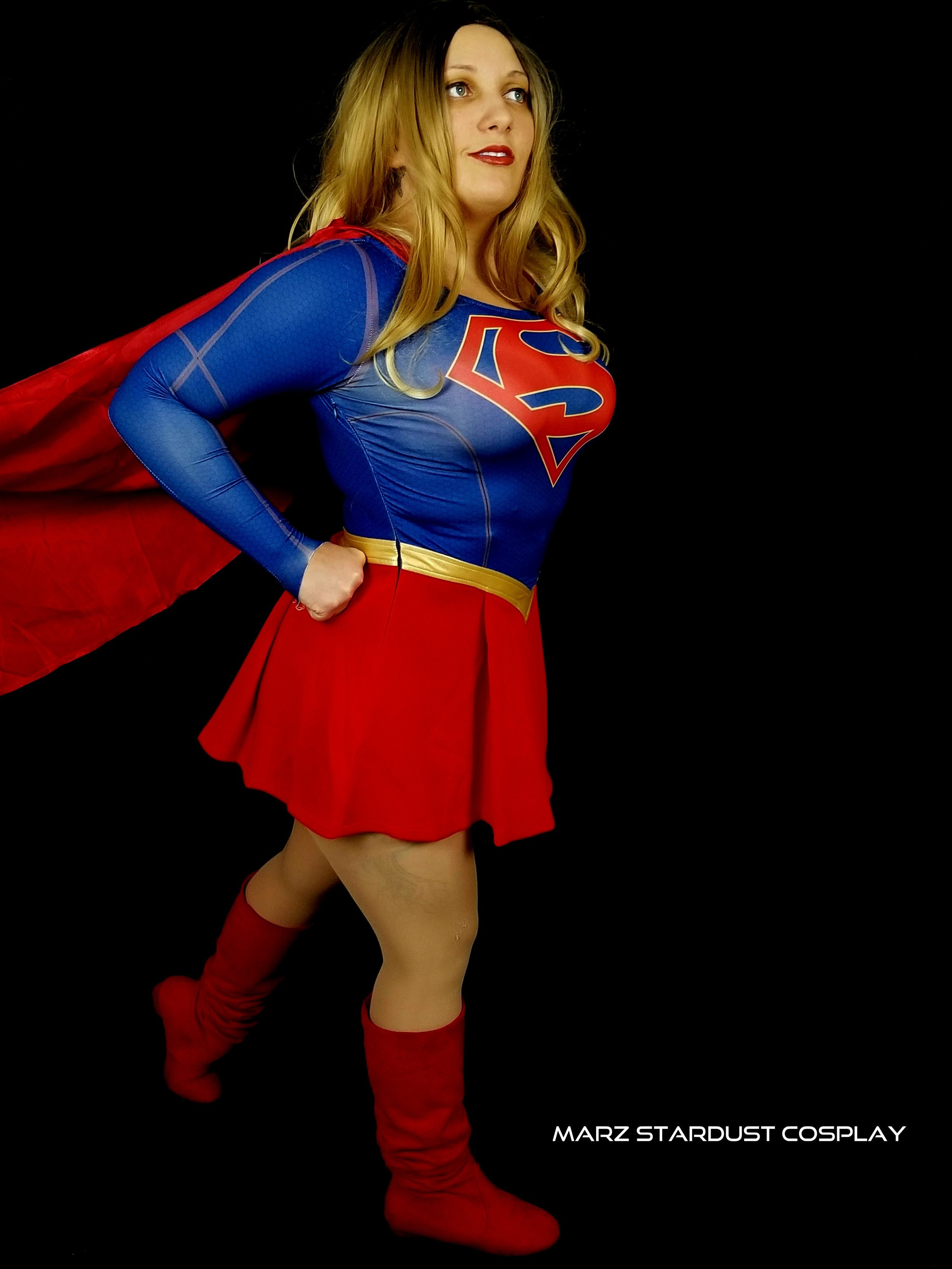 Cosplay supergirl Discover supergirl