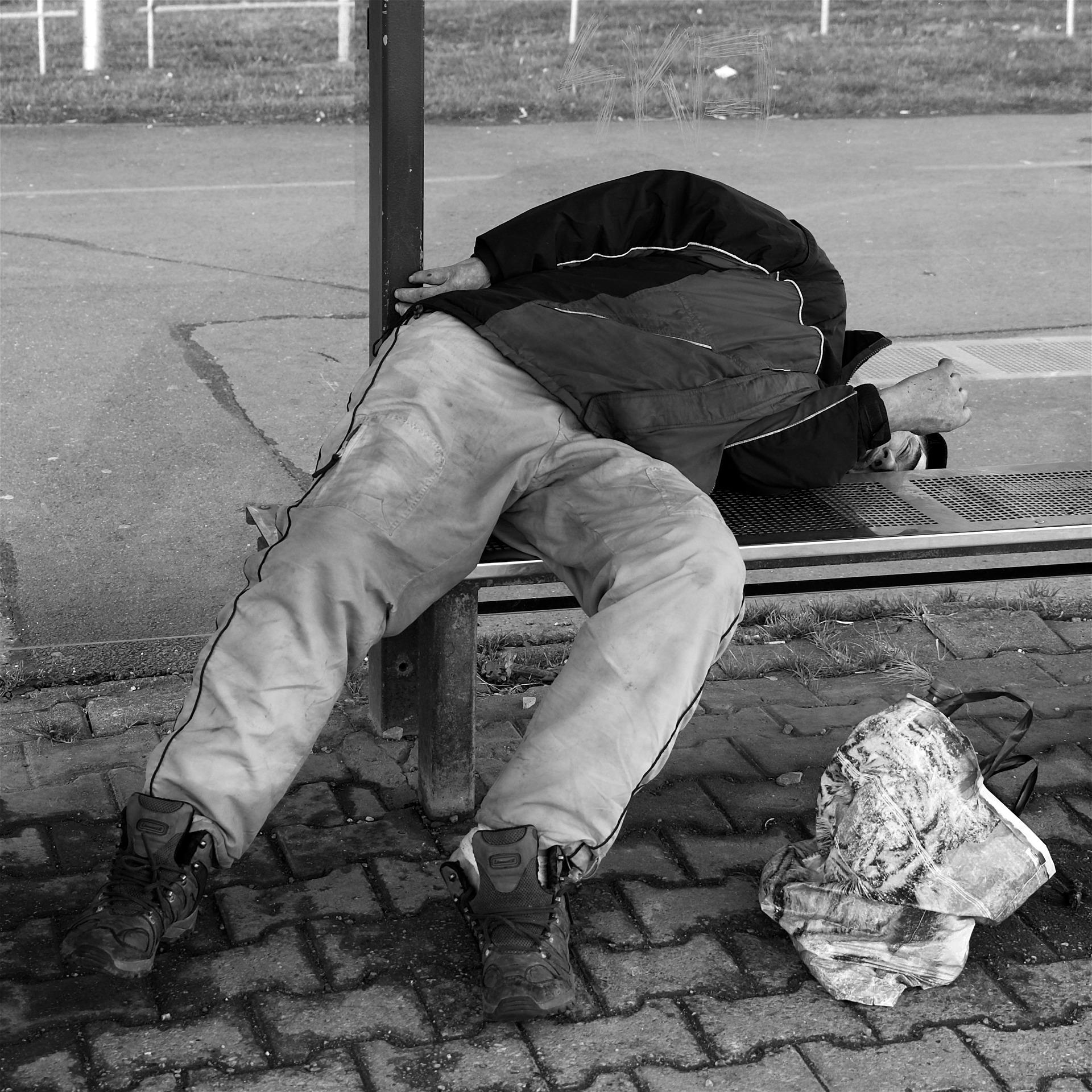 homeless-1204653_1920.jpg