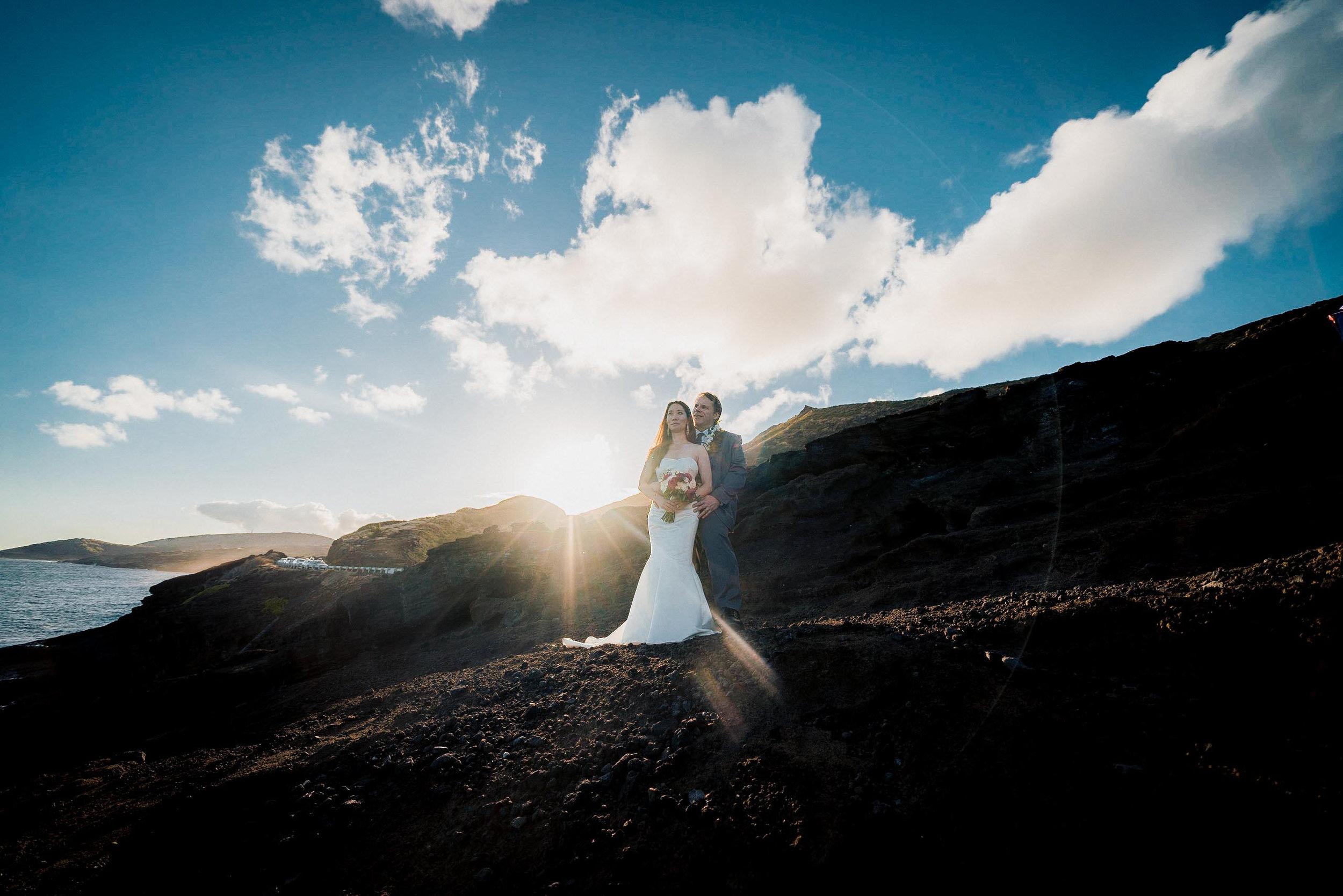 Toshi Takahashi Hawaii Photographer Bride and Groom Makapuu.jpg