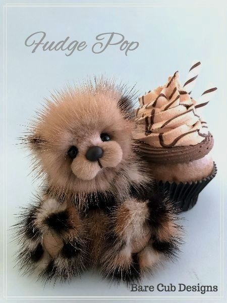 Mink Artist bear by Helen Gleeson of Bare Cub Designs. Fudge Popl is created from honey and Spotted mink fur and scissor sculpted to perfection. Fudge pop is approx 3 inches