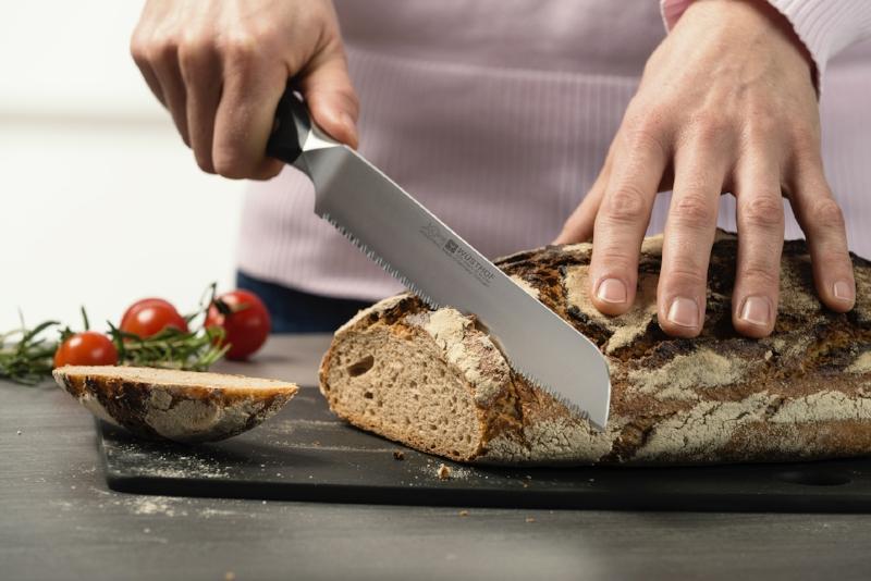 Bread knife.jpg
