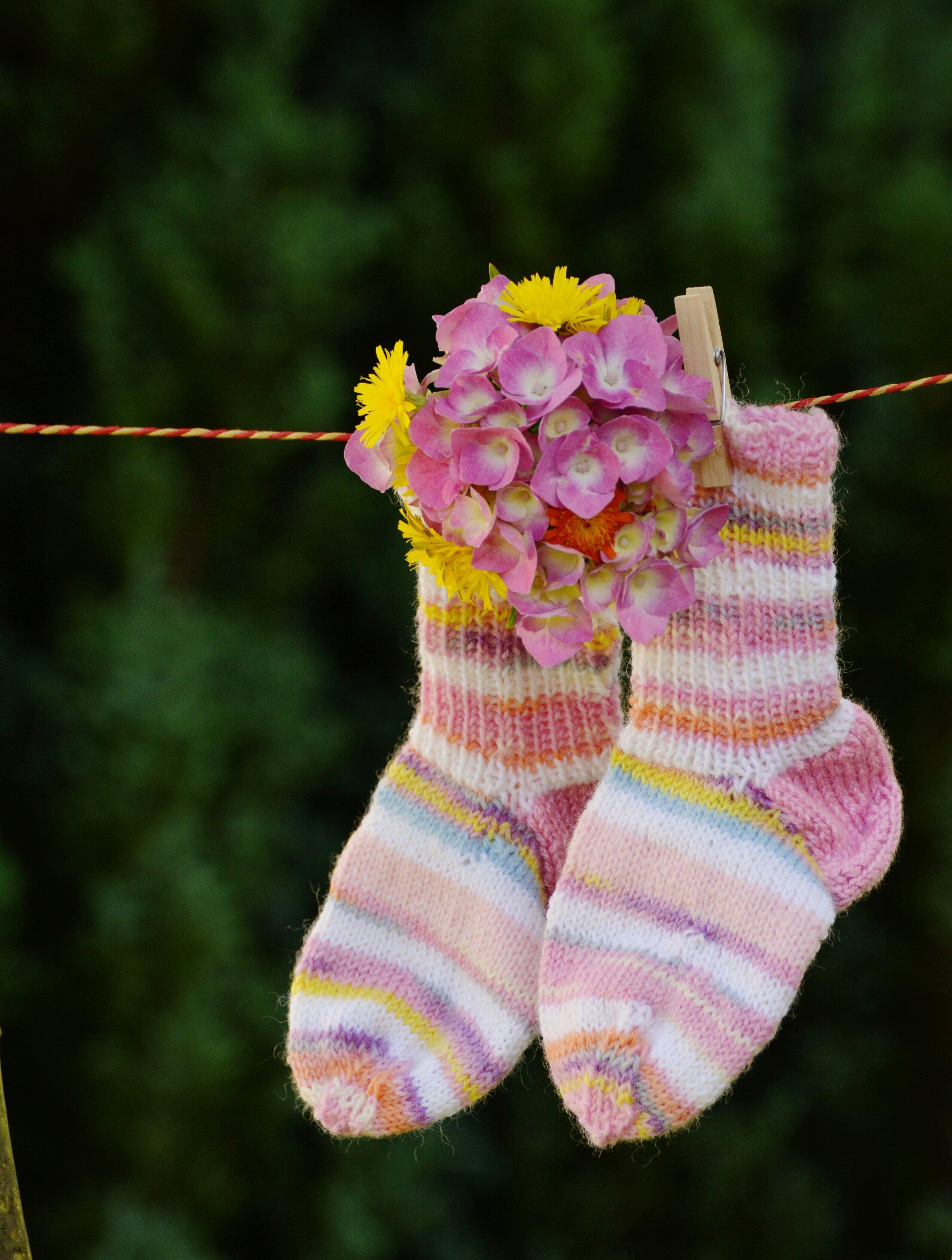ankle-socks-children-socks-knitted-greeting-160438.jpeg