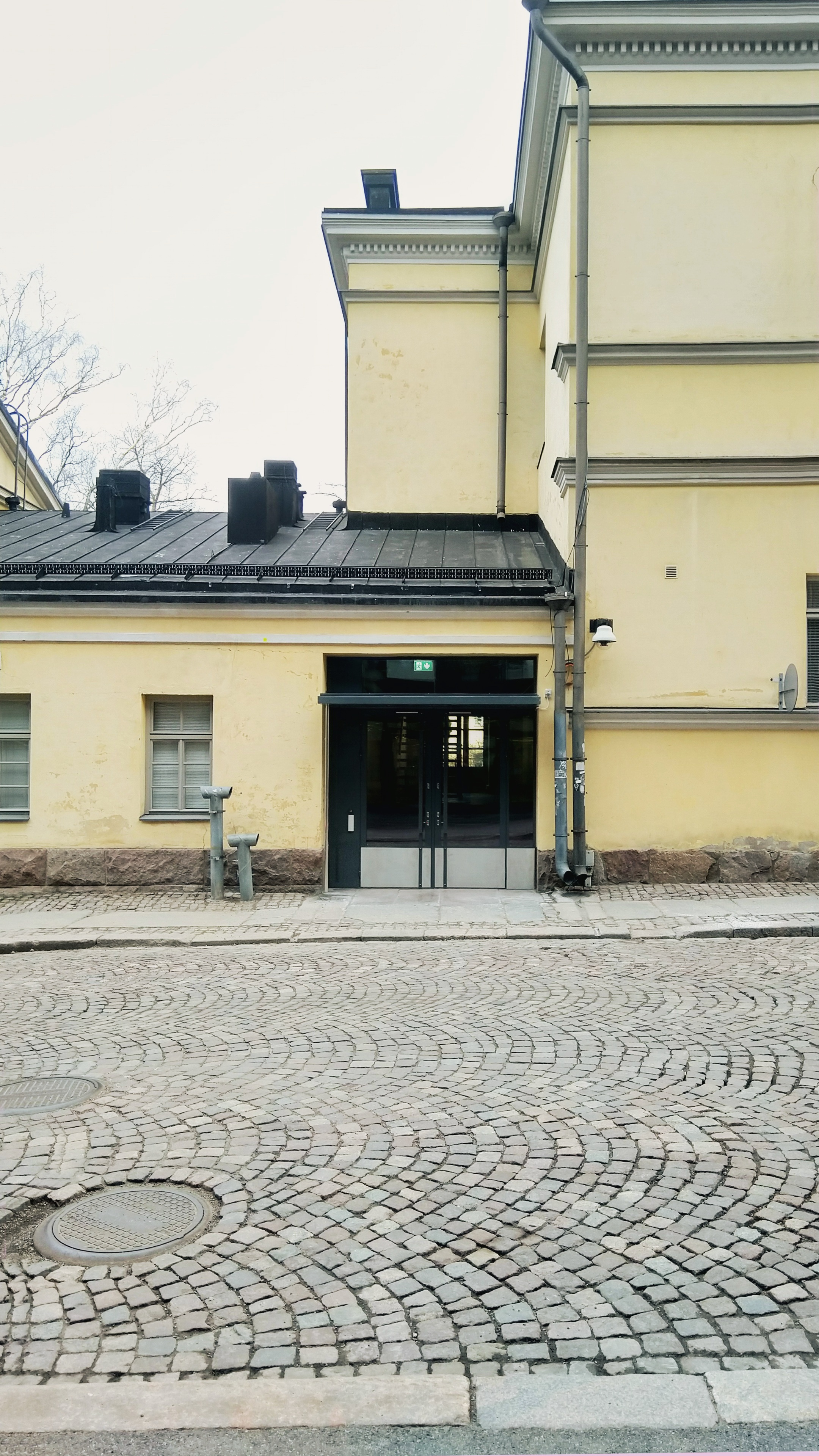 Helsingin yliopisto, topelia B - julkiset- ja toimitilat