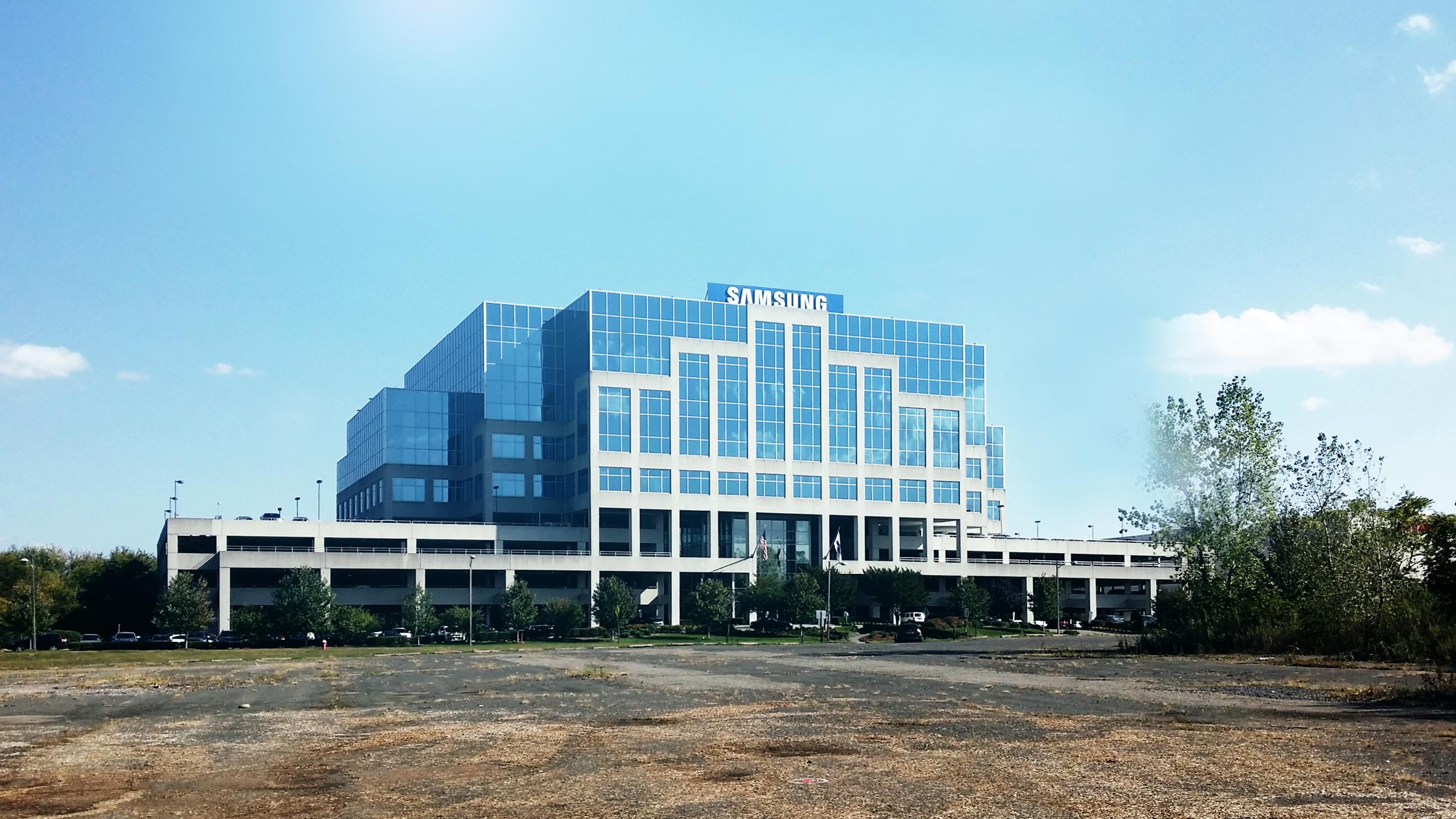 Pioli_Samsung Electronics Headquarters2.png