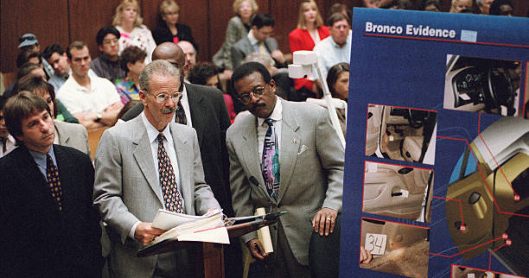 Rock presenting DNA evidence during the OJ Simpson trial