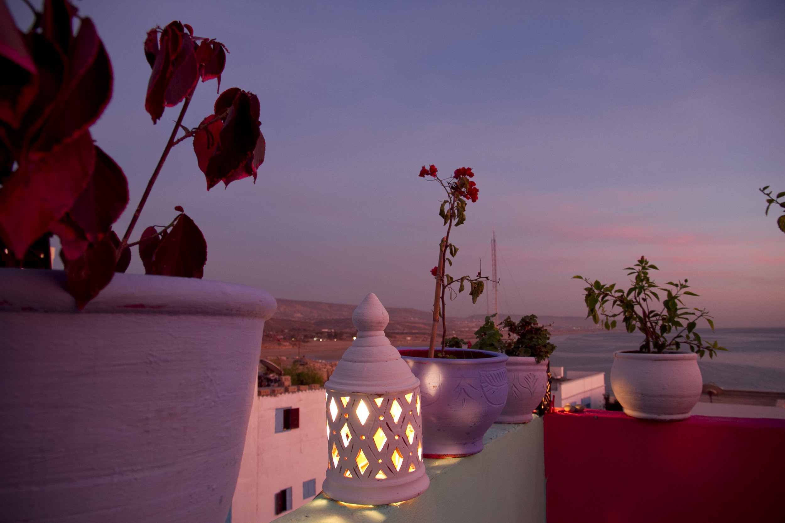 Fabulous sunsets from our roof top terrace... - There's the beach you'll learn to surf!