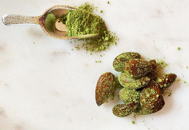The best snack you've had in a very long time... Matcha Covered Almonds 💚 Tap link in bio for recipe now 😋  #wildsunwellness #enrichyourbeing