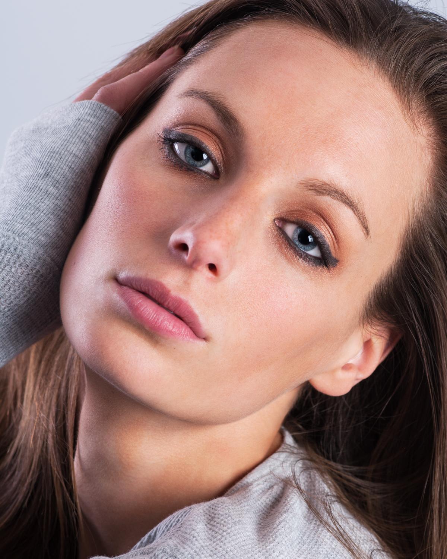 female_heashot_model_beauty.JPG
