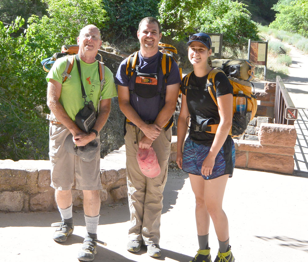 TAS: tourist assisted selfie