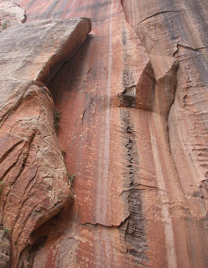 Some nice streaking and huecos. (Zion)