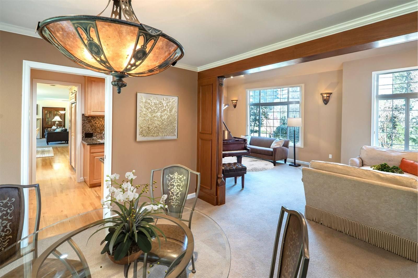 1624 108th Avenue Northeast, Bellevue - Helen Pederslie (4).jpg