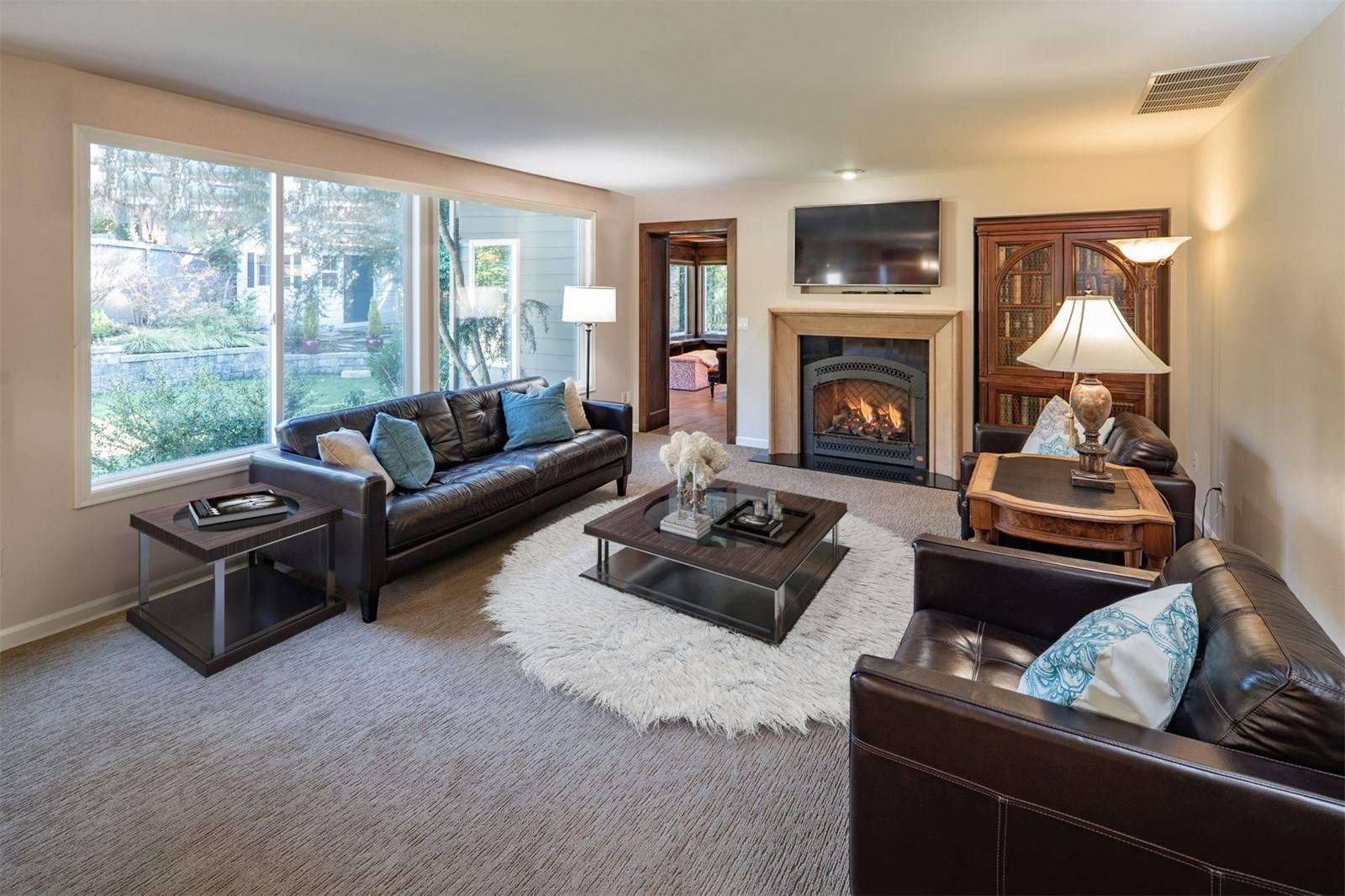 1624 108th Avenue Northeast, Bellevue - Helen Pederslie (7).jpg