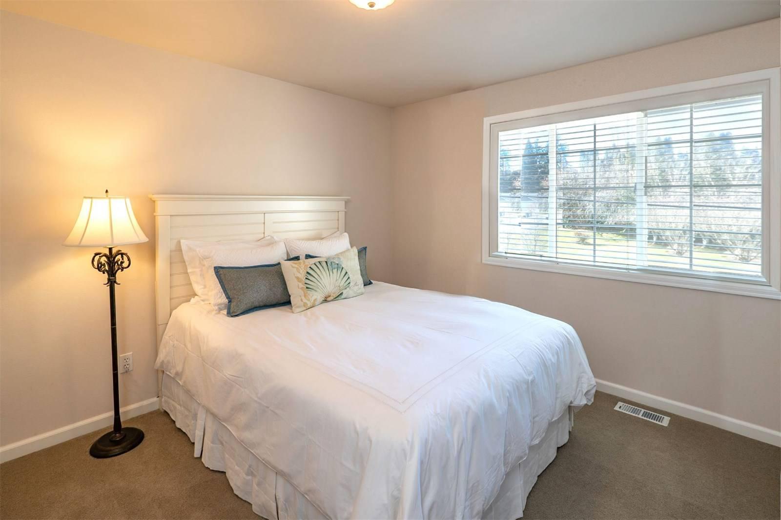 1624 108th Avenue Northeast, Bellevue - Helen Pederslie (15).jpg