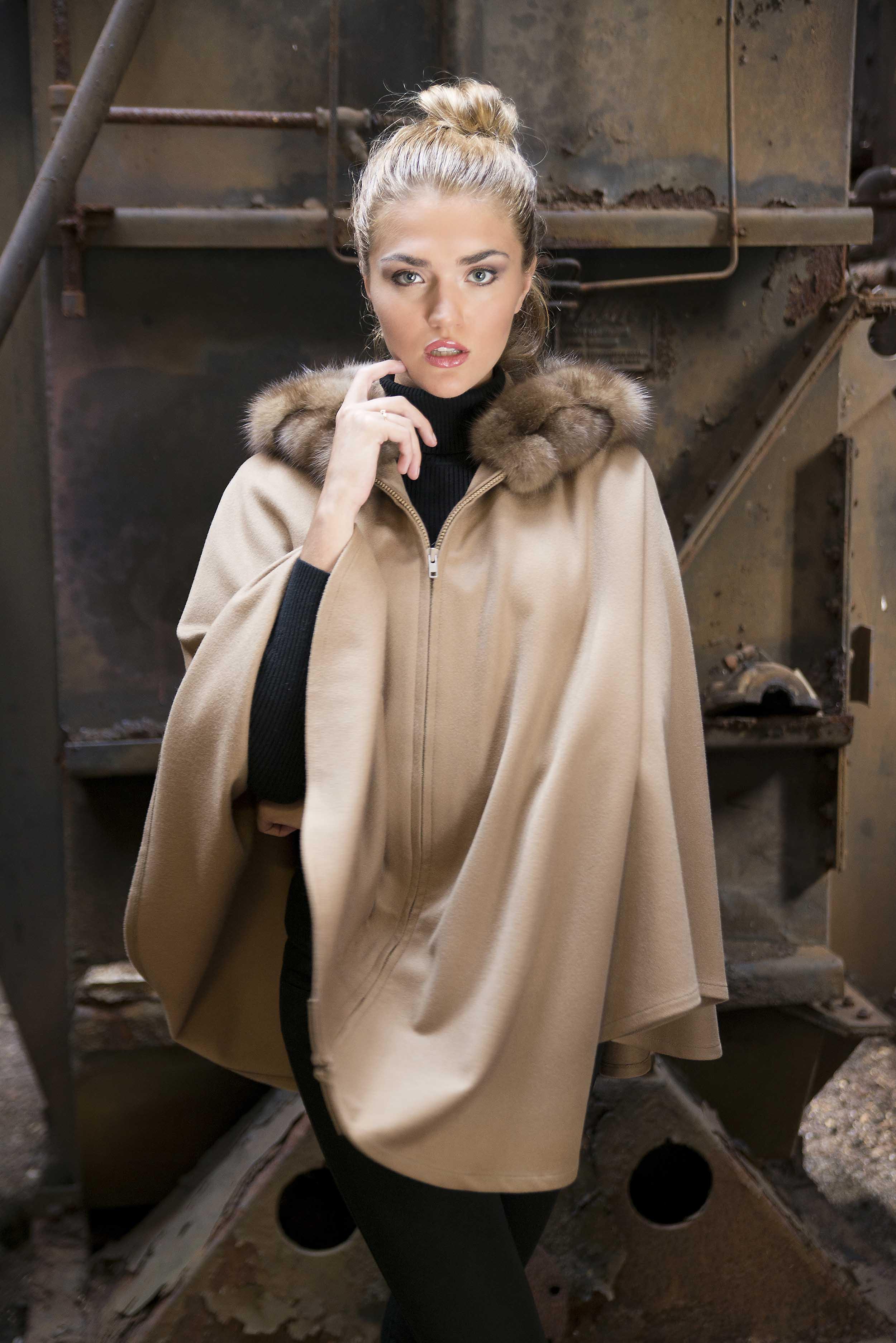 pat-flesher-furs-cashmere-beautiful-collar-beige-woman.jpg