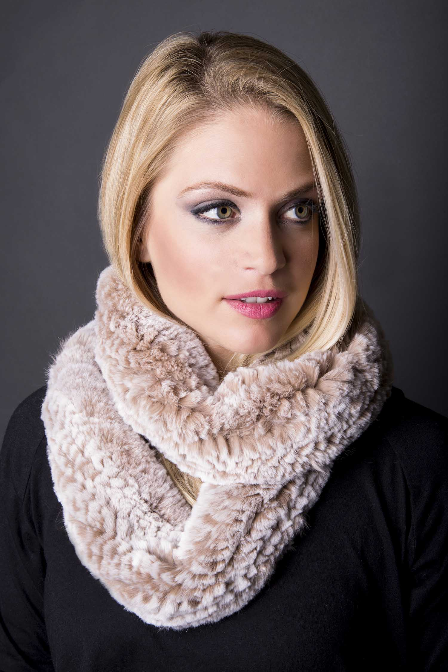 pat-flesher-furs-accessories-scarf-beige-pink-women.jpg