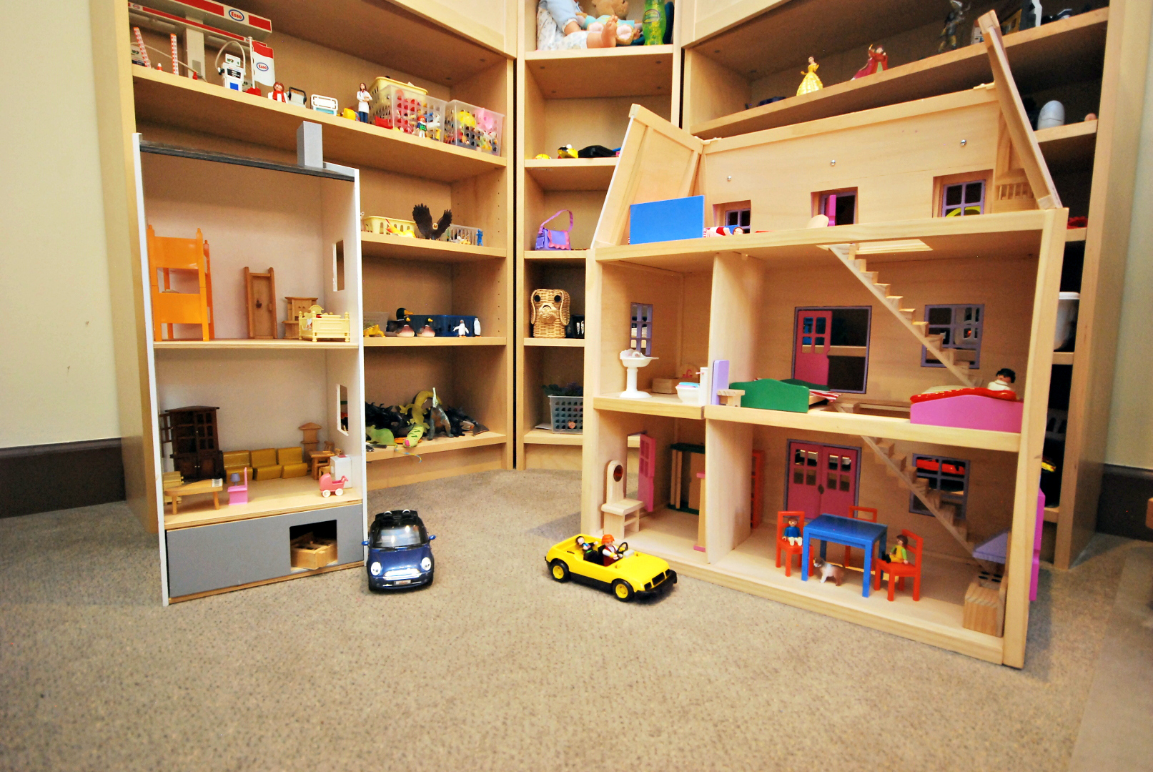 Toy House 1.JPG