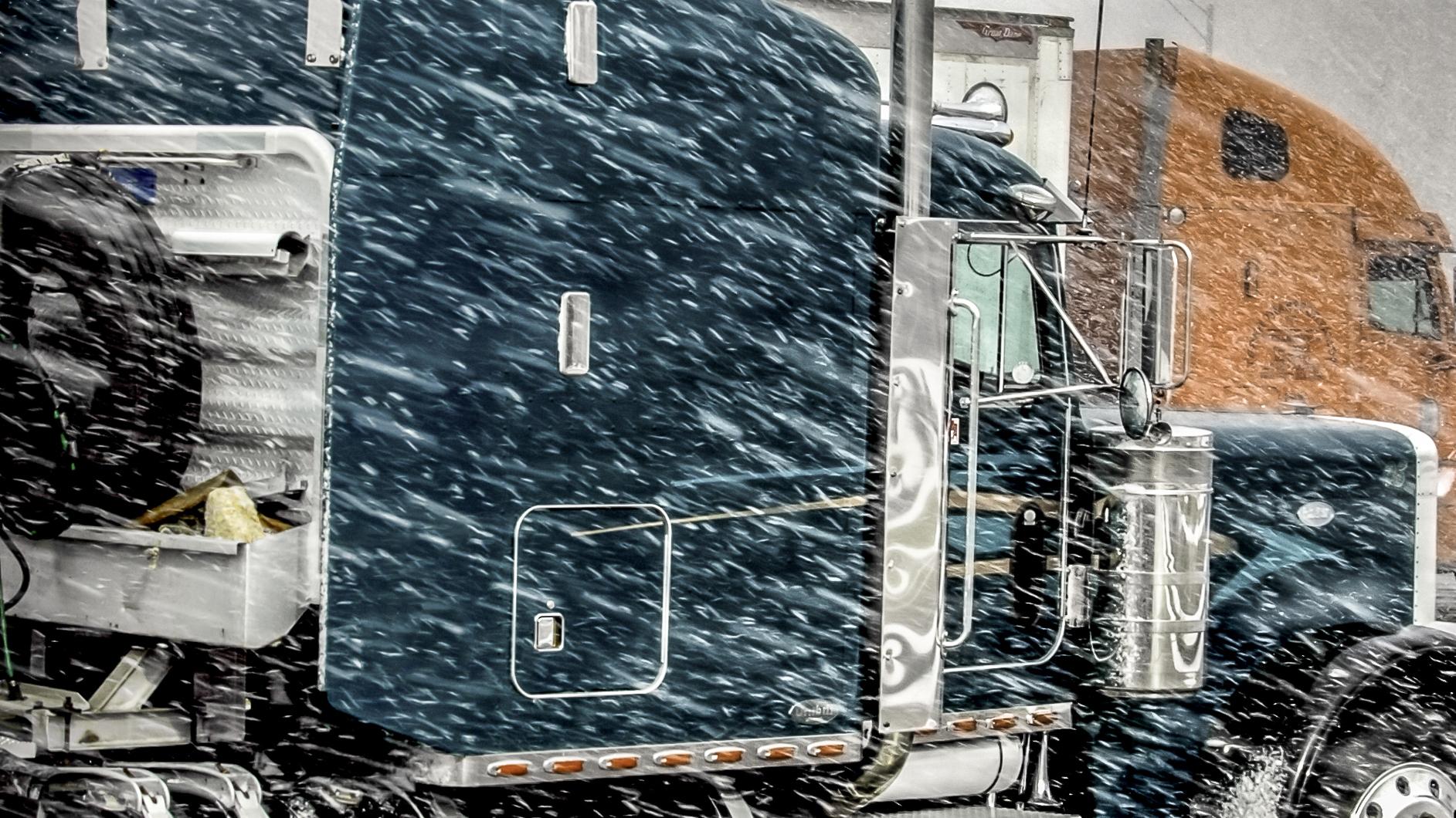 Truckstock_blizzard_1.jpg