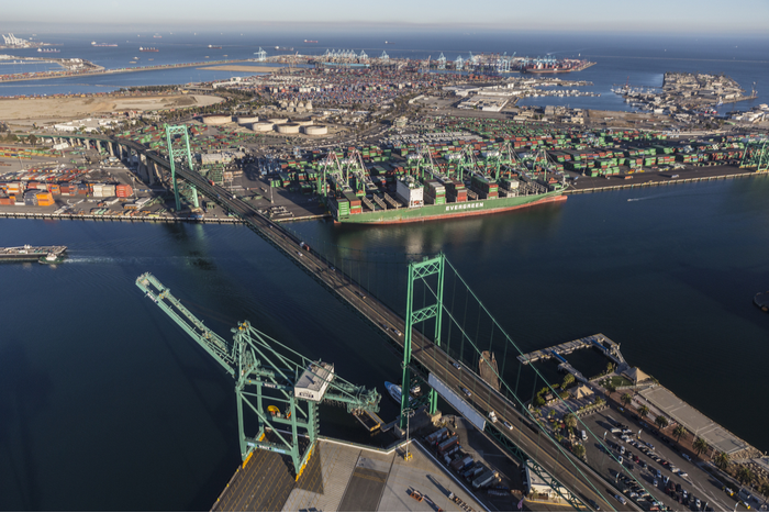 With a deal reached on training, APM Terminals' request for a construction permit needed to install electrical recharging equipment at Pier 400 in Los Angeles can move forward to the final stage of approval. Photo credit: Shutterstock.com.
