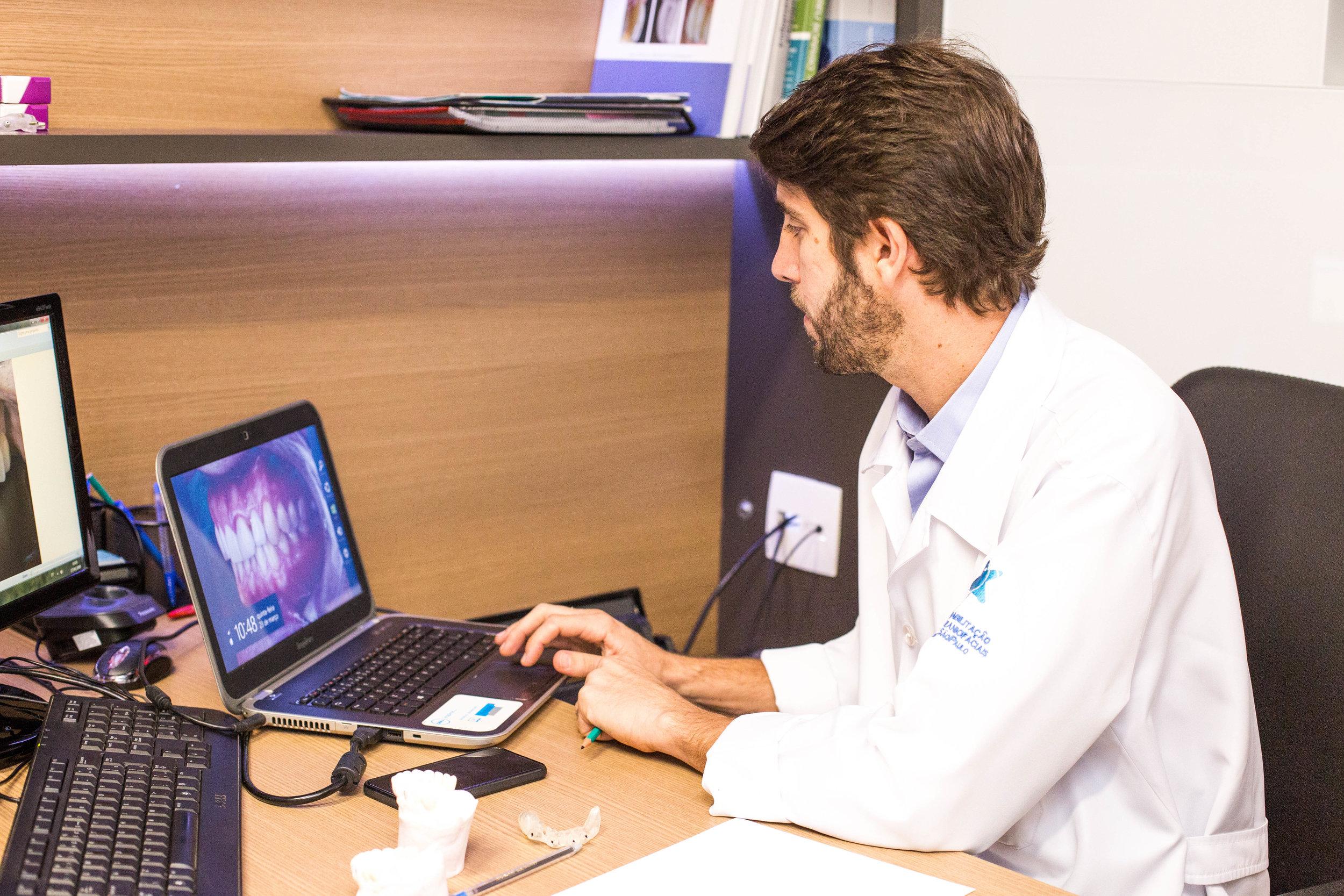 Dr. Victor Guimarães