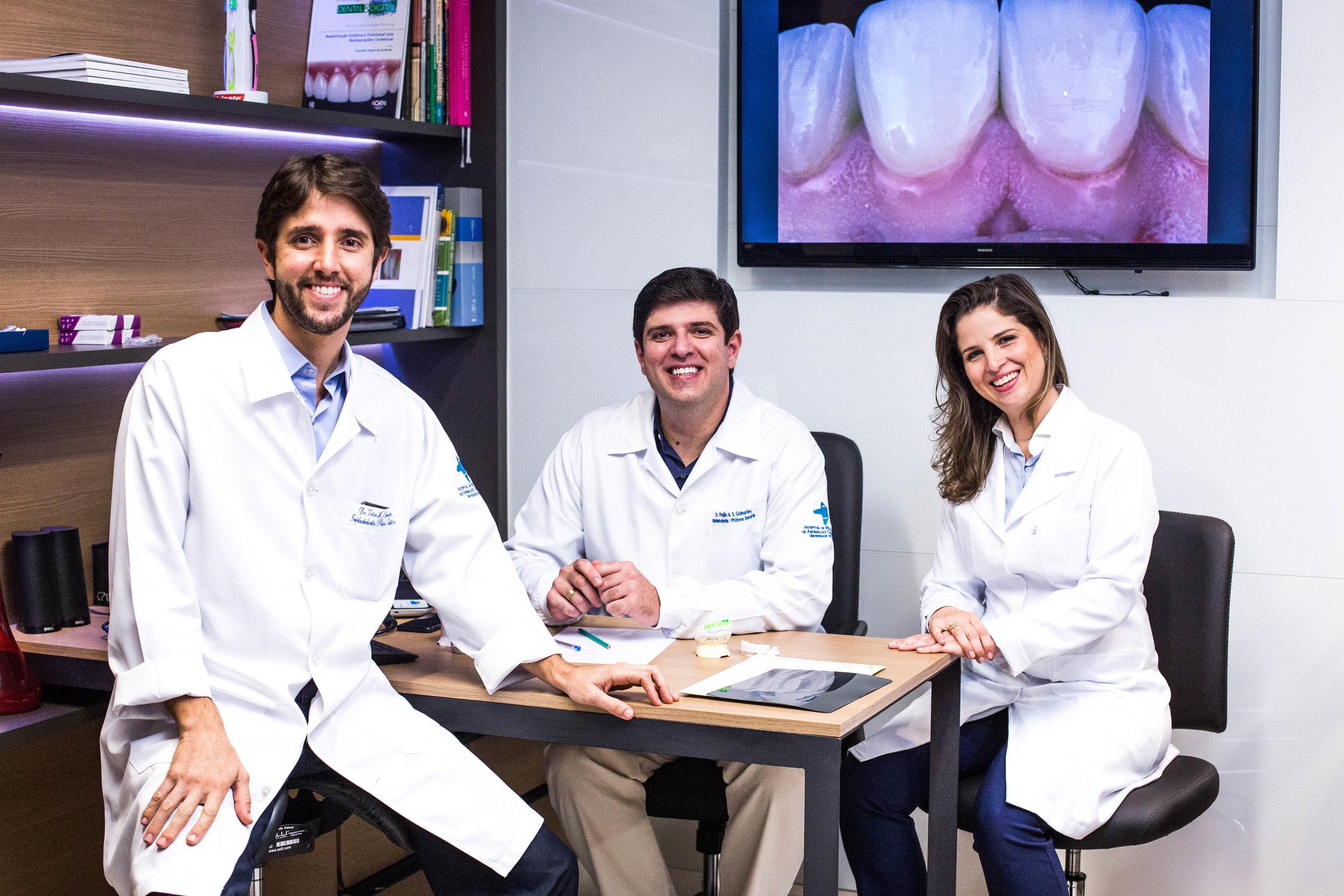 Dr. Victor Guimarães, Dr. Virgílio Guimarães e Dra. Maria Elisa Guimarães