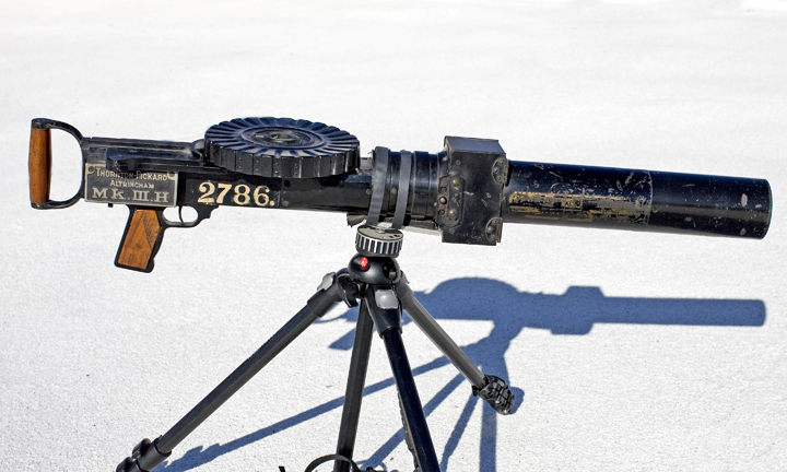 This was made in England during WWI, and is an excellent reproduction of a Lewis gun. Often seen mounted on the Sopwith Camel aircraft, or used in the trenches, this was the preeminent machine gun used by the allies. The camera uses 120mm rollfilm in the 6x4.5 format. The lens is unmarked.