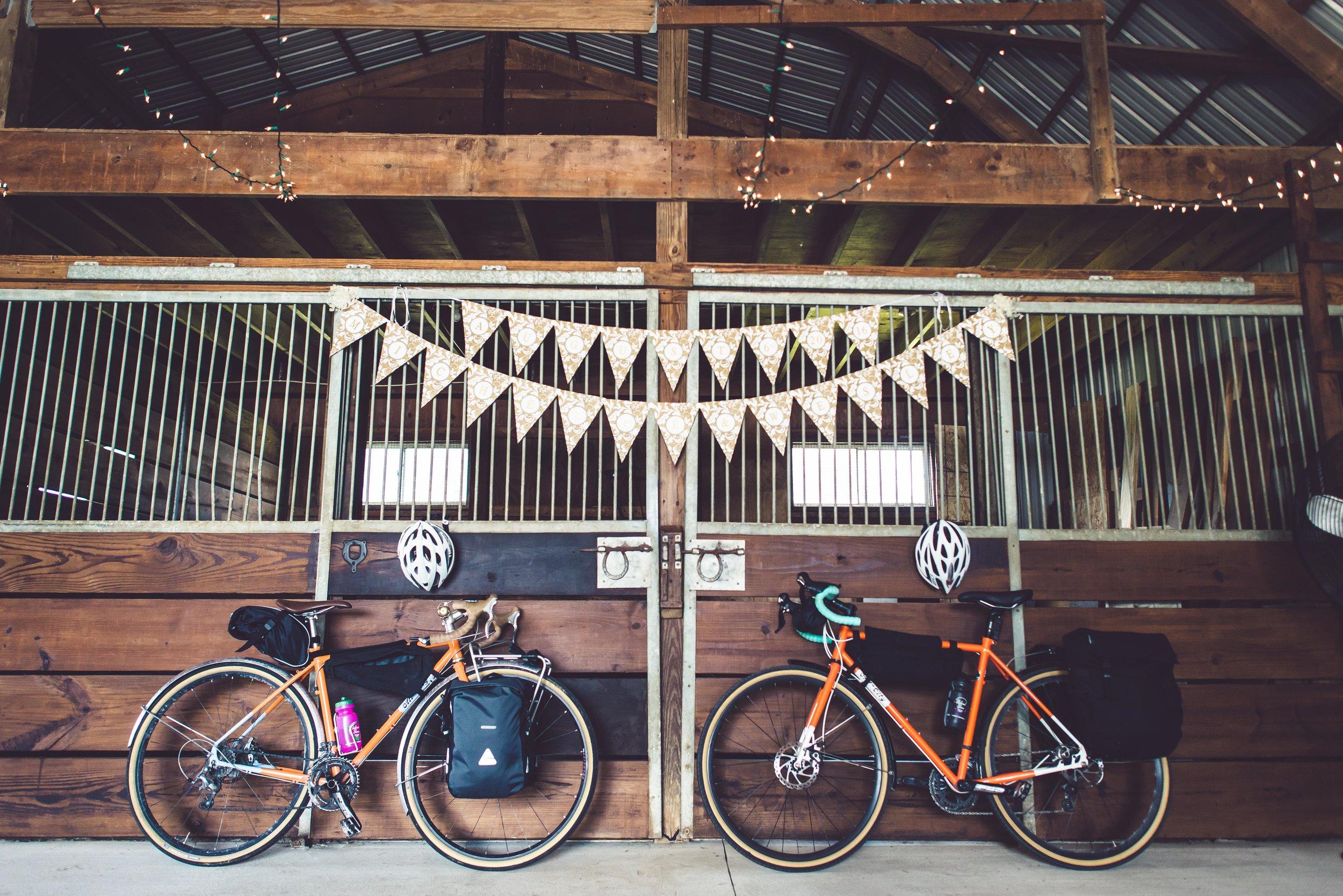 Michelle Wes Best Minnesota Barn Wedding-2334.jpg