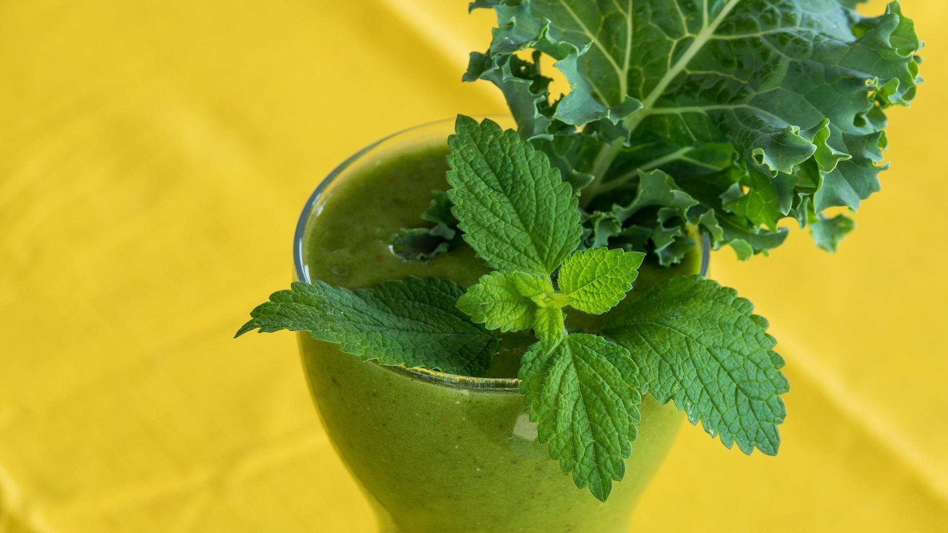 green-smoothie-2611410_1920.jpg
