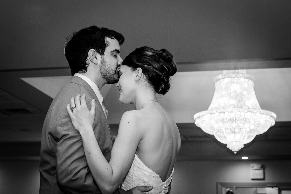 clytie-sadler-first-dance-wedding-photographer-042.jpg