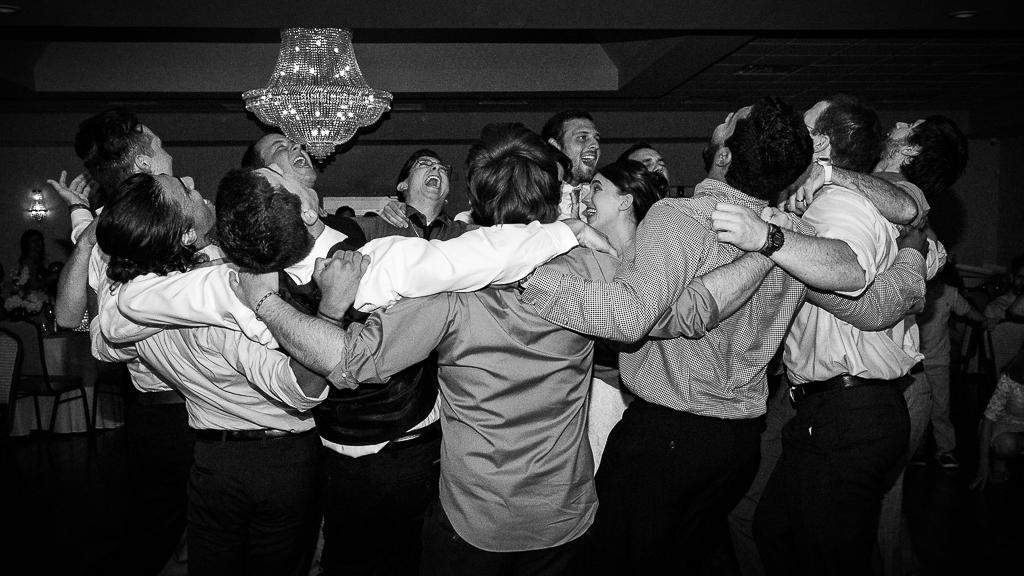 clytie-sadler-photography-wedding-reception-dancing-039.jpg