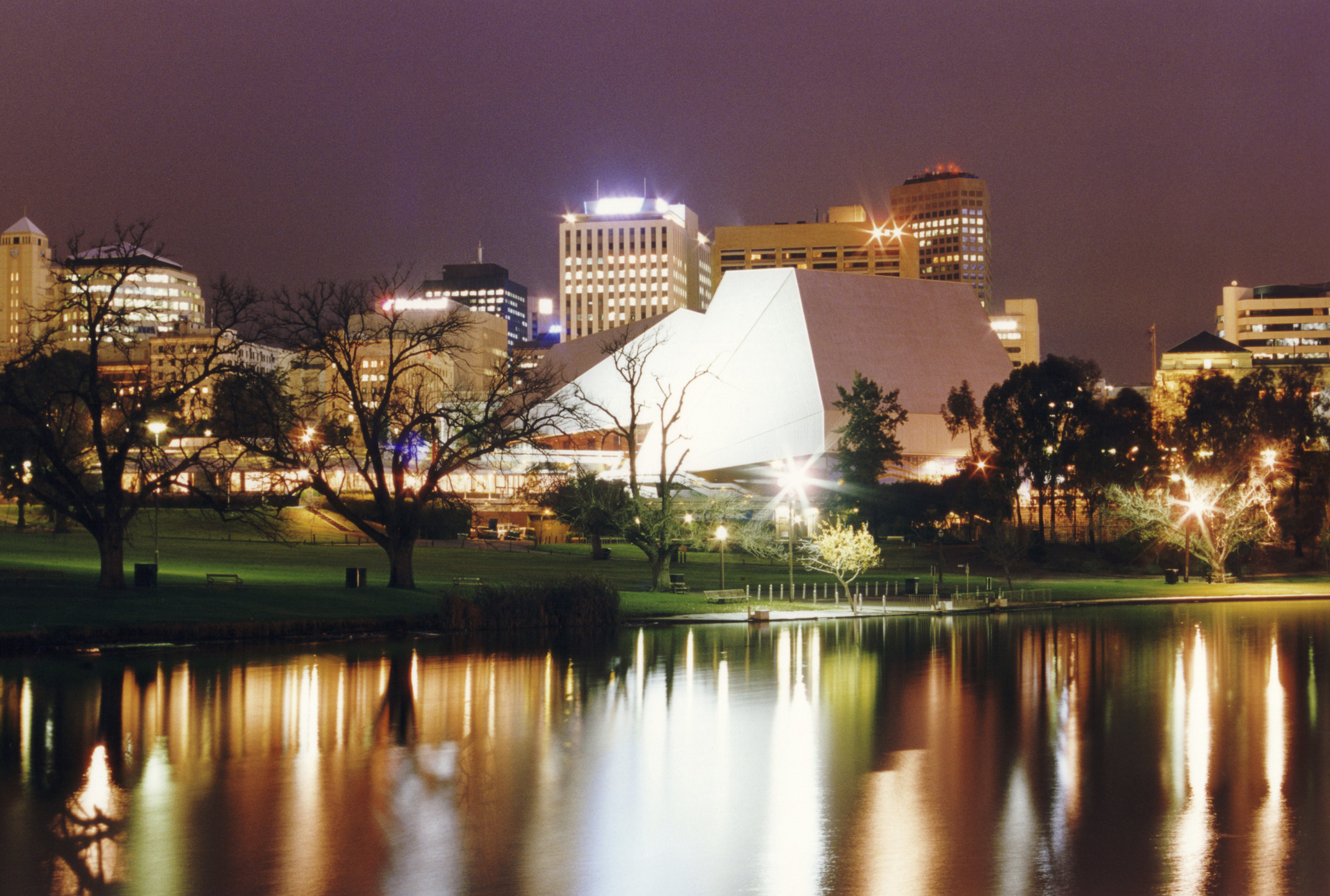 AU_Adelaide Cityscape_Large.jpg