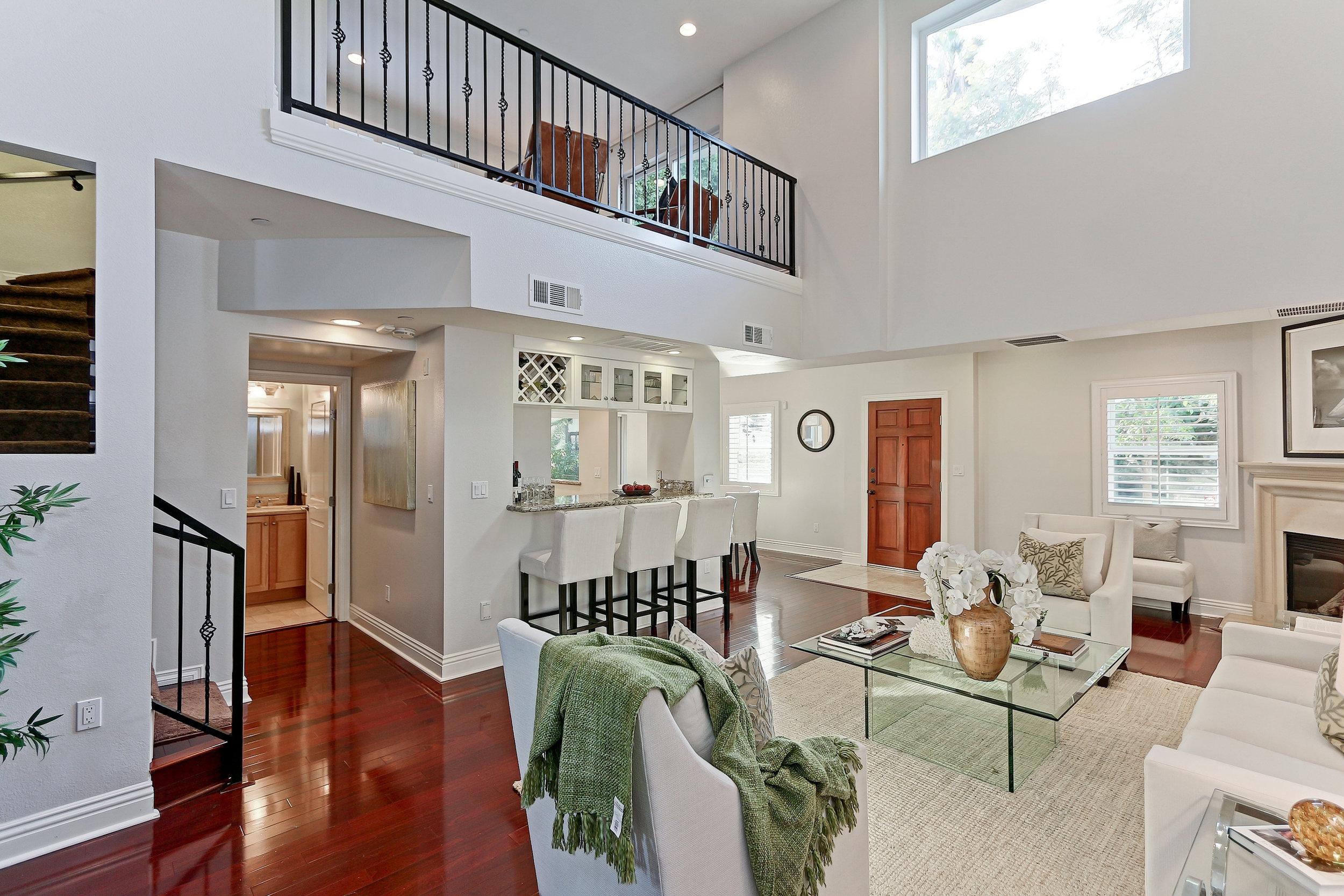 Caskey - 1010 Curson_Living room5.jpg
