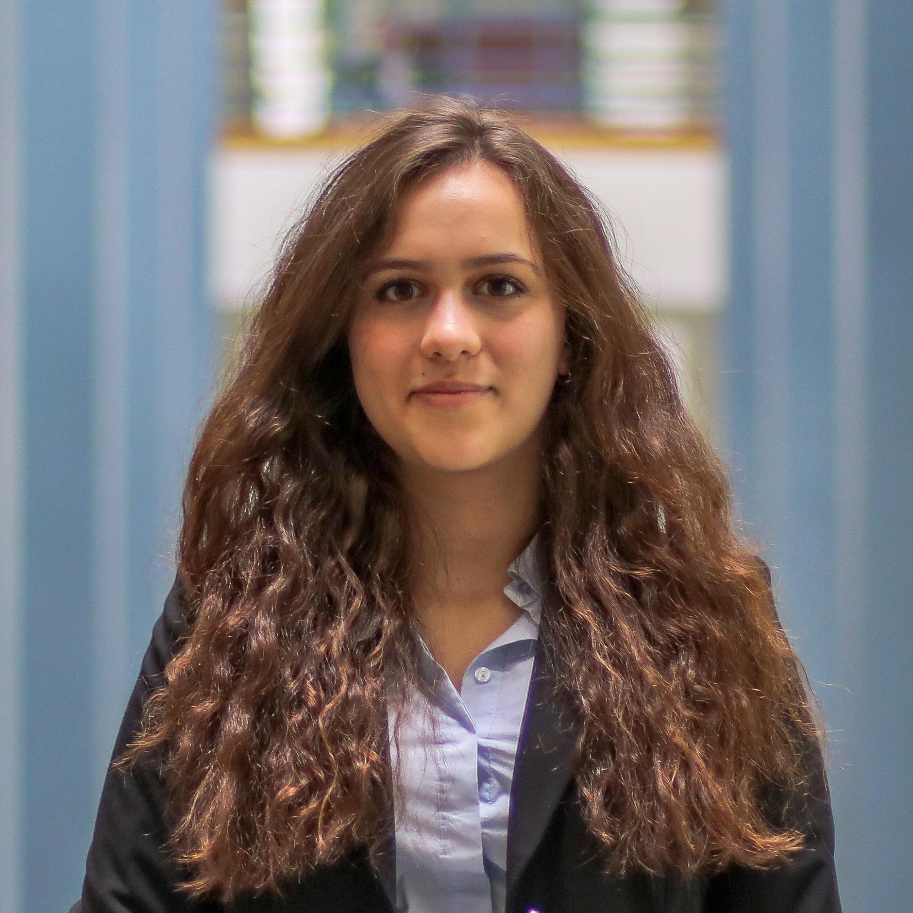 ELIZABETH DROBIZ    Industrial Systems Engineering & Finance, IBE 2021