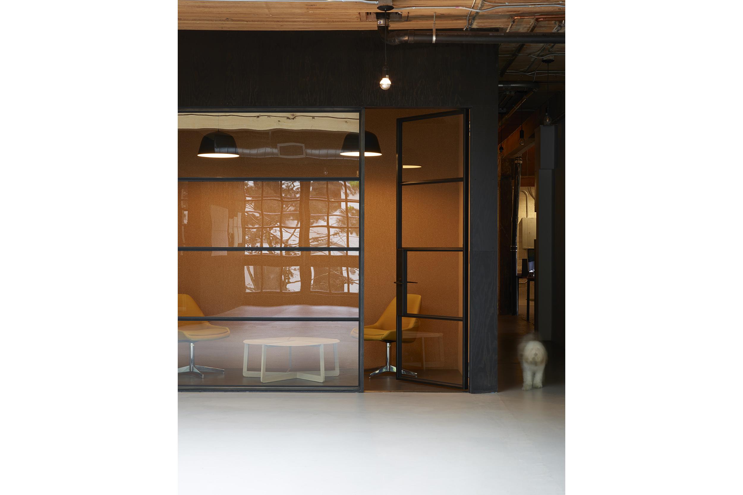 goCstudio_Substantial_phone room.jpg