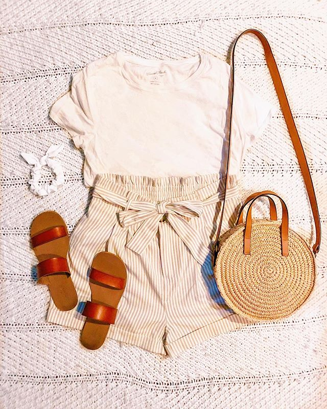 Last night's outfit, today's flat lay! I love a good easy and cute look! Some of the best are the ones where it looks like you put in a ton of effort when you actually didn't 😜This outfit is seriously as easy as shorts and a t-shirt, but when you add in some cute details and accessories, it becomes so much more than that! What are some of your go to easy outfits?