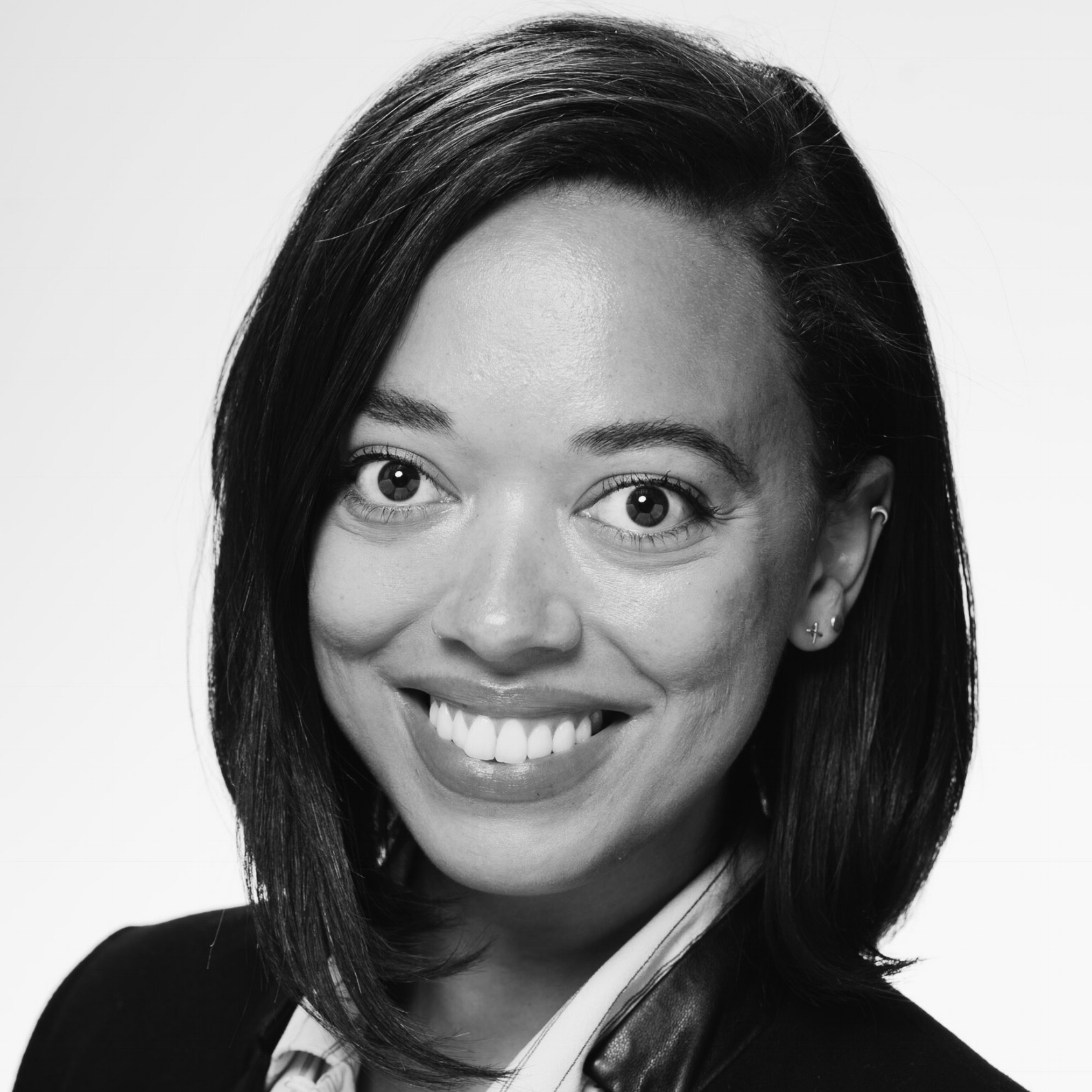 Clare Quinlan, Business Advisor   Clare is a passionate strategist dedicated to empowering women and people of color to build capital and do what they love. After receiving a BA from Williams College, she spent several years managing donor portfolios and fundraising campaigns for contemporary art institutions in New York, including Dia Art Foundation and The New Museum. She has worked on e-commerce strategy for E&J Gallo Winery and received a MBA from the University of Chicago Booth School of Business.