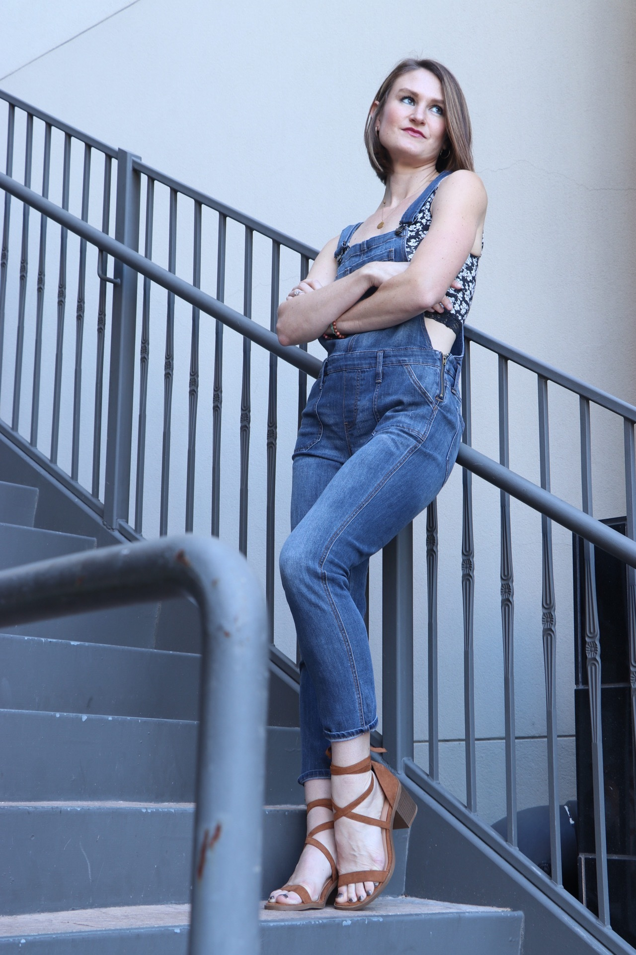 how to style overalls, crop top with overalls, overalls in summer