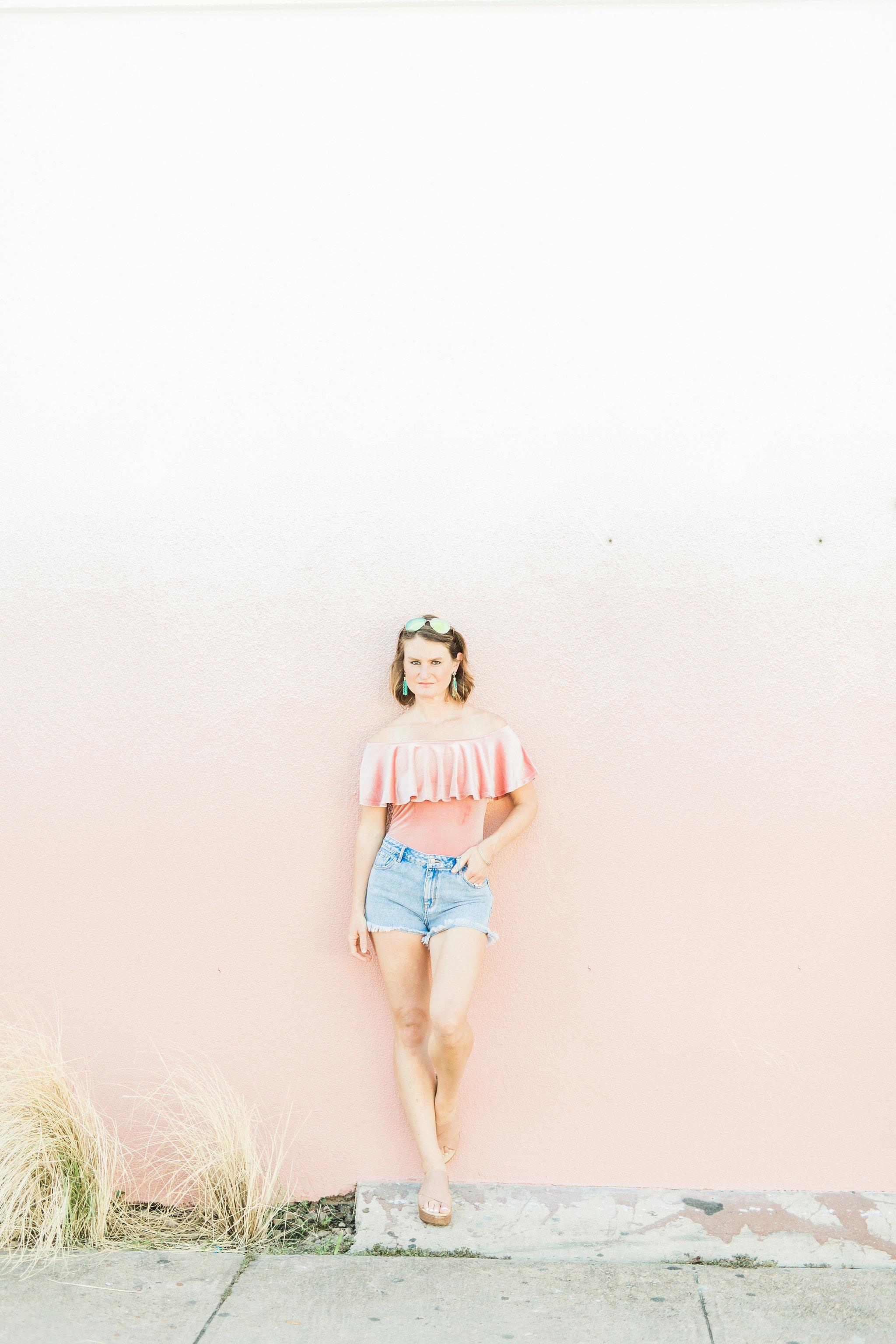 hey jode, style, fashion, pink bodysuit, summer style