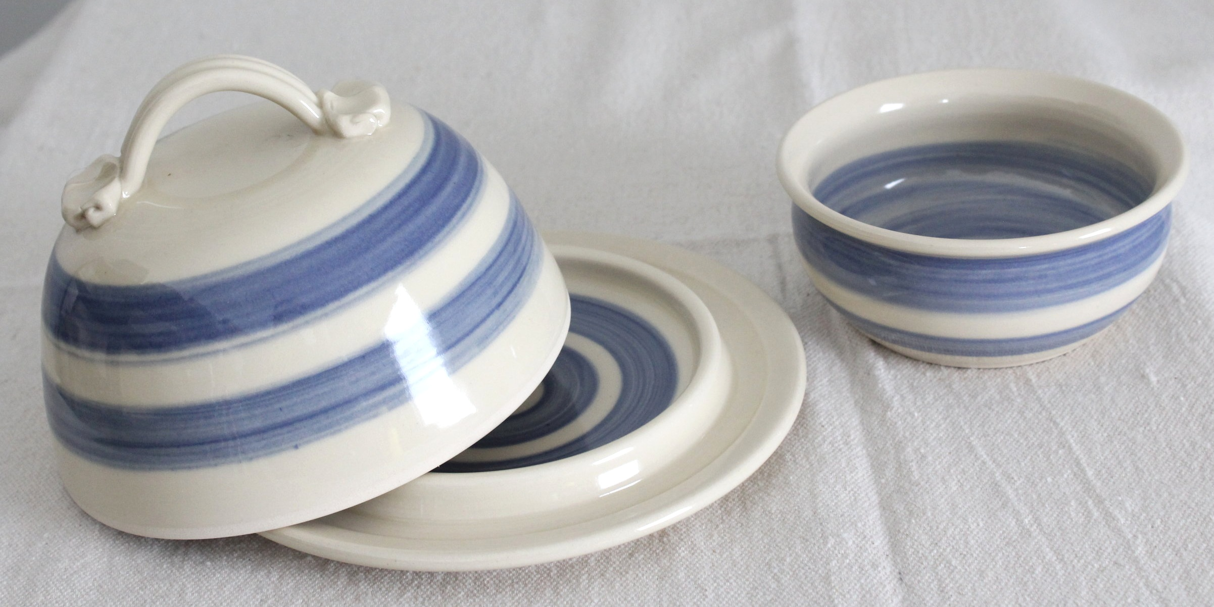 Blue+and+White+Butter+Dish+with+Lid.jpg