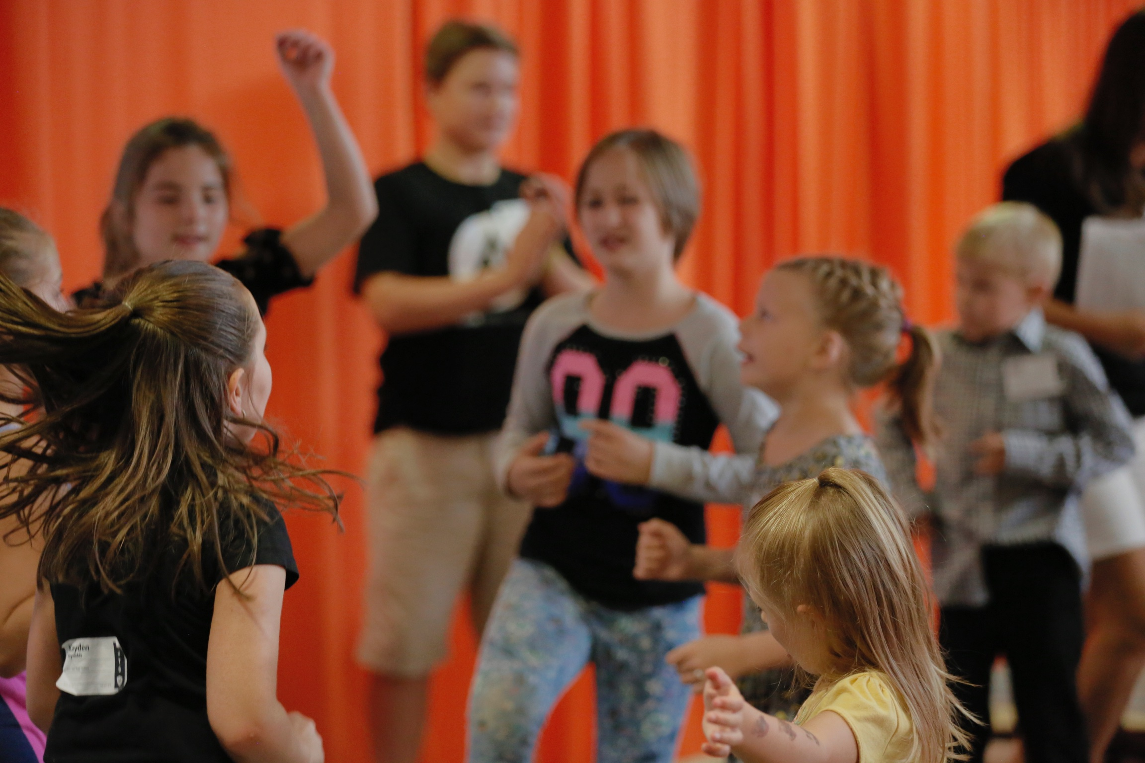 ELEMENTARY   Kindergarten through 5th grade children will love our Alive Kids Elementary services! Full of interactive, age-appropriate learning to open your child's heart to God's love. The elementary experience has worship, video message, live teaching, small group break off and games & inflatables as well.