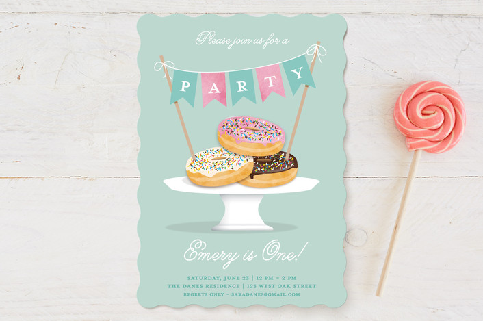 Everyone Loves Donuts children's party invitation