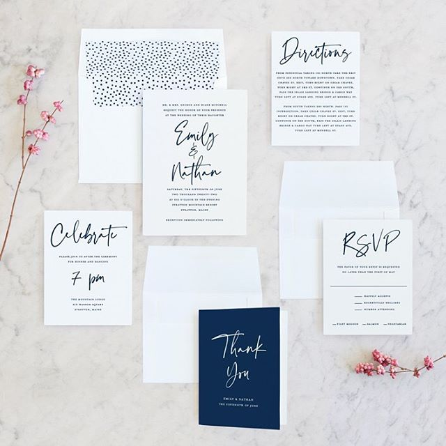 """Hello 😬👋 I've been really bad about posting stuff lately so I thought I would try to fix that... here are some of my recent wedding invitations to launch at @minted, both flat and foil. Also, they have a couple new """"foil"""" colors, iridescent gloss and pearl white. Both are gorgeous!! Happy weekend, everyone 😘 #minted #mintedweddings #mintedartist #paperdahlia #weddinginvitations"""