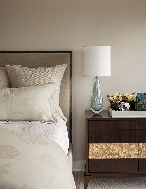 GOOCH DESIGNS RHAPSODY NIGHSTAND [STYLE: CUSTOM W8034]